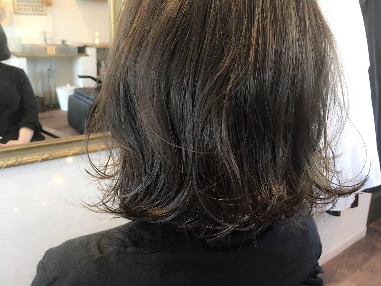 グレージュ 外国人風カラー ストリート アッシュヘアスタイルや髪型の写真・画像