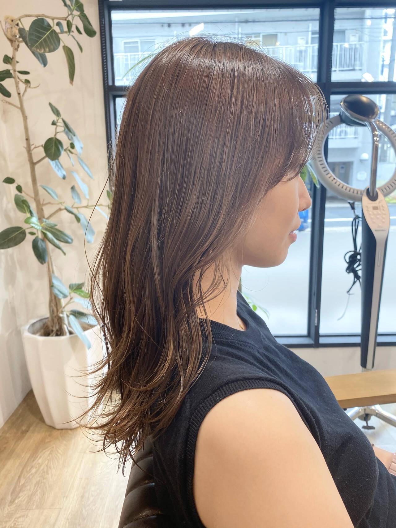 セミロング ミルクティーグレージュ グレージュ ミルクティーベージュヘアスタイルや髪型の写真・画像