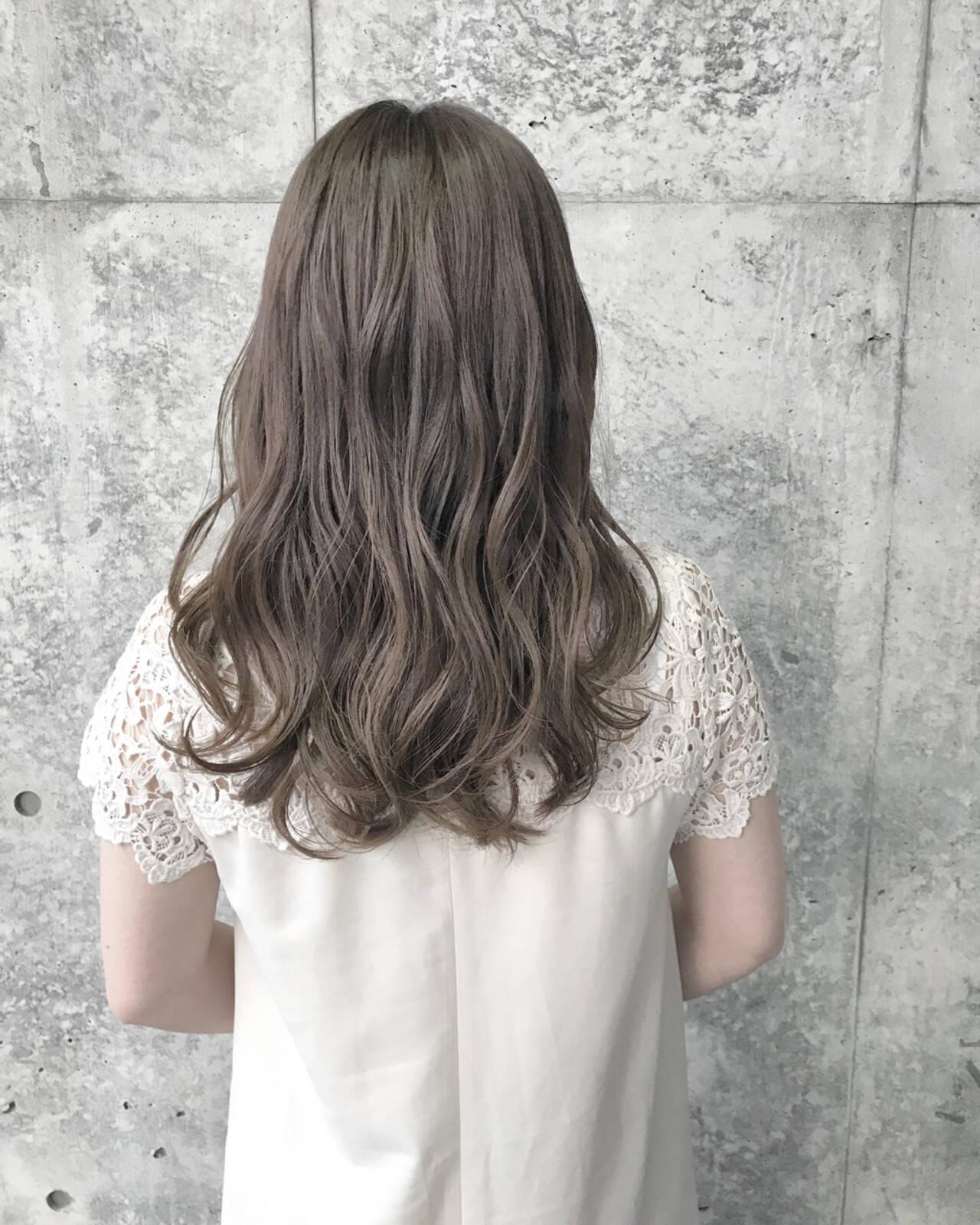ナチュラル 透明感 シルバー 結婚式ヘアスタイルや髪型の写真・画像