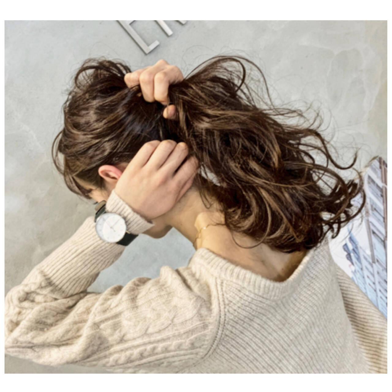 ナチュラル 大人カジュアル アンニュイほつれヘア ロングヘアスタイルや髪型の写真・画像
