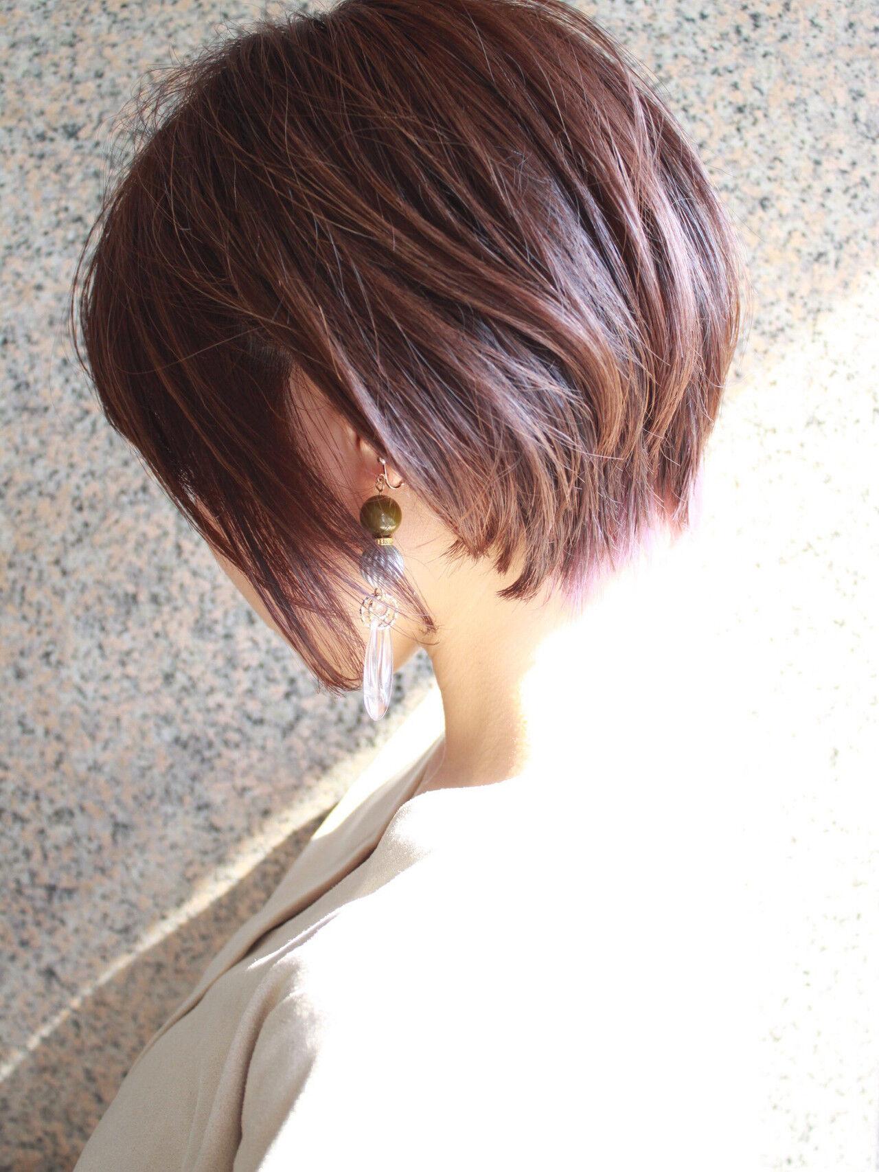 ショート デート 大人ショート インナーカラーパープルヘアスタイルや髪型の写真・画像