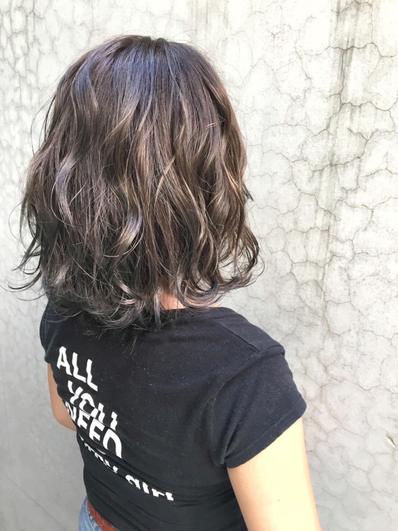 ハイライト ストリート アッシュ グラデーションカラーヘアスタイルや髪型の写真・画像