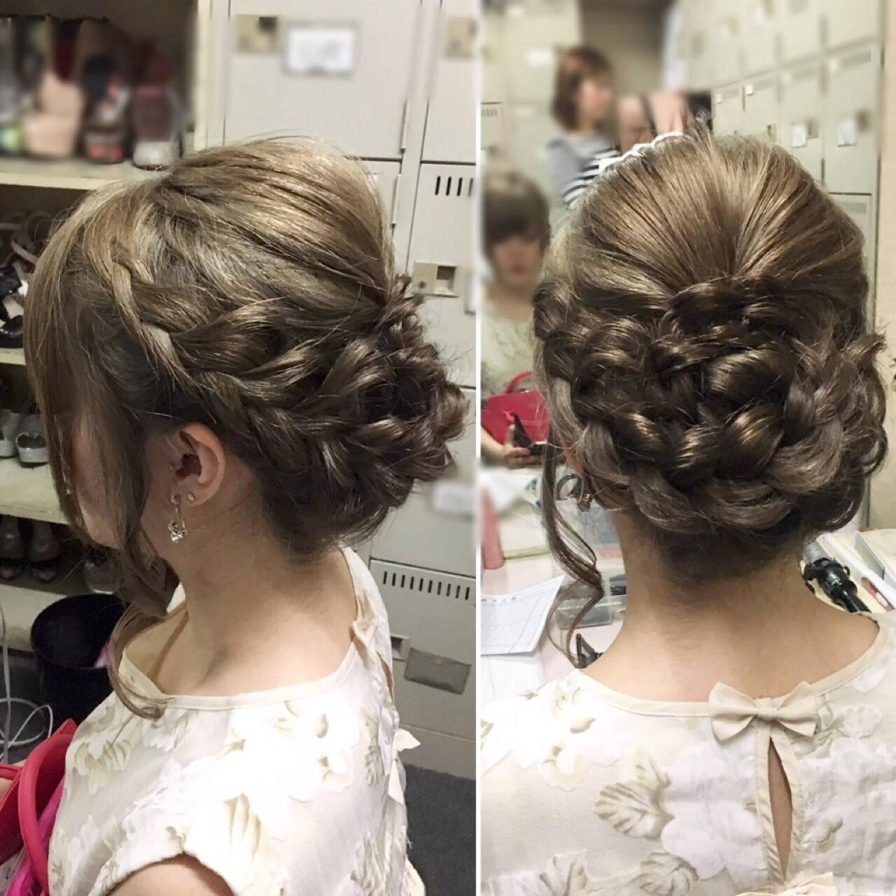 編み込み フェミニン ヘアアレンジ ミディアムヘアスタイルや髪型の写真・画像