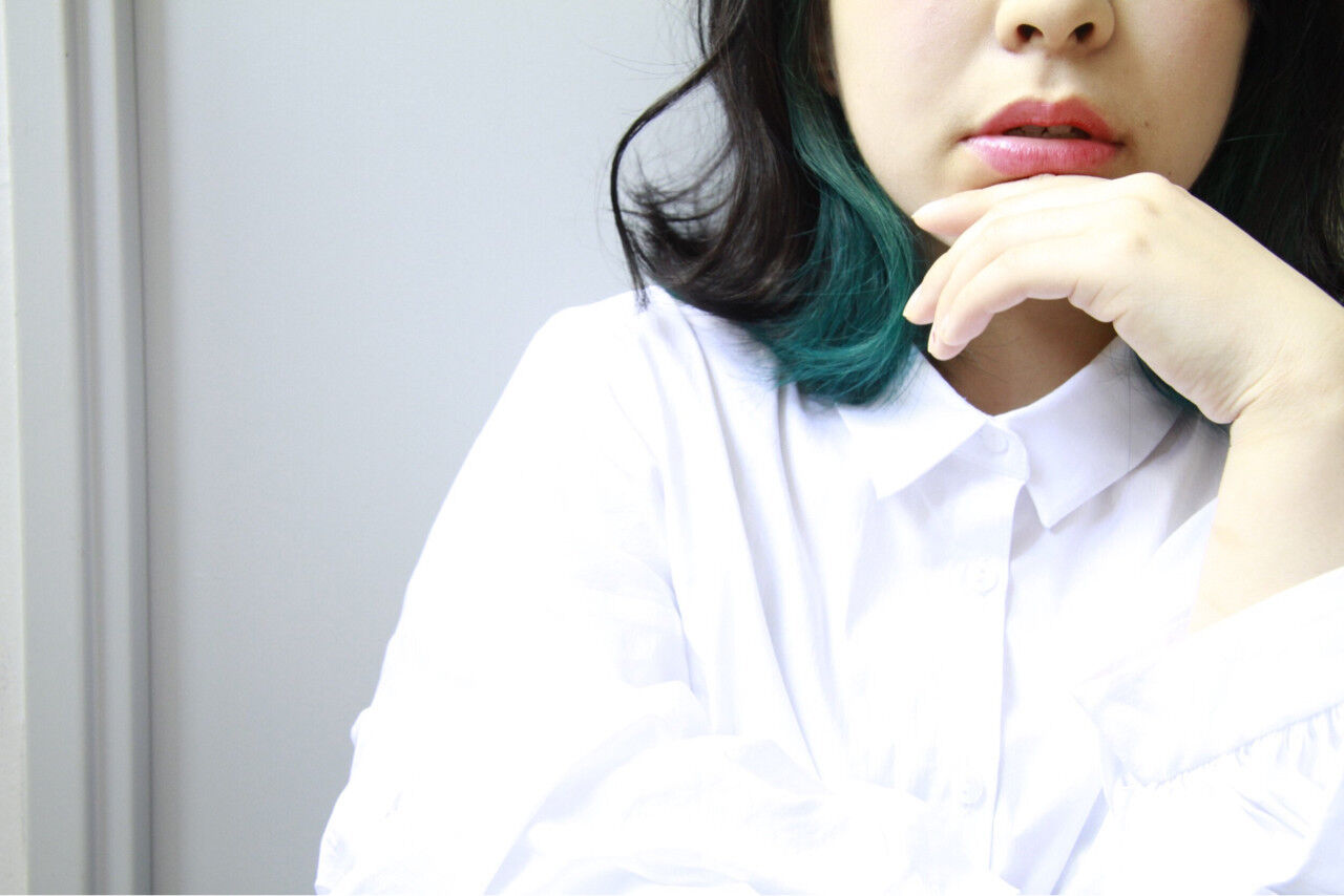 インナーカラー ミディアム 大人女子 こなれ感ヘアスタイルや髪型の写真・画像