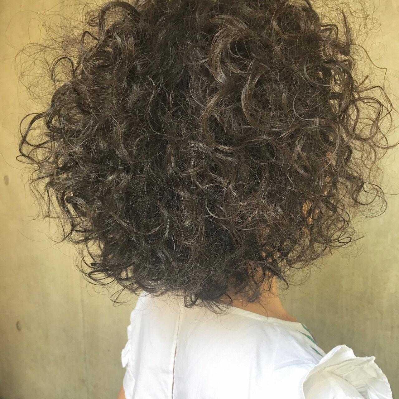 ヘアアレンジ エフォートレス フェミニン アウトドアヘアスタイルや髪型の写真・画像