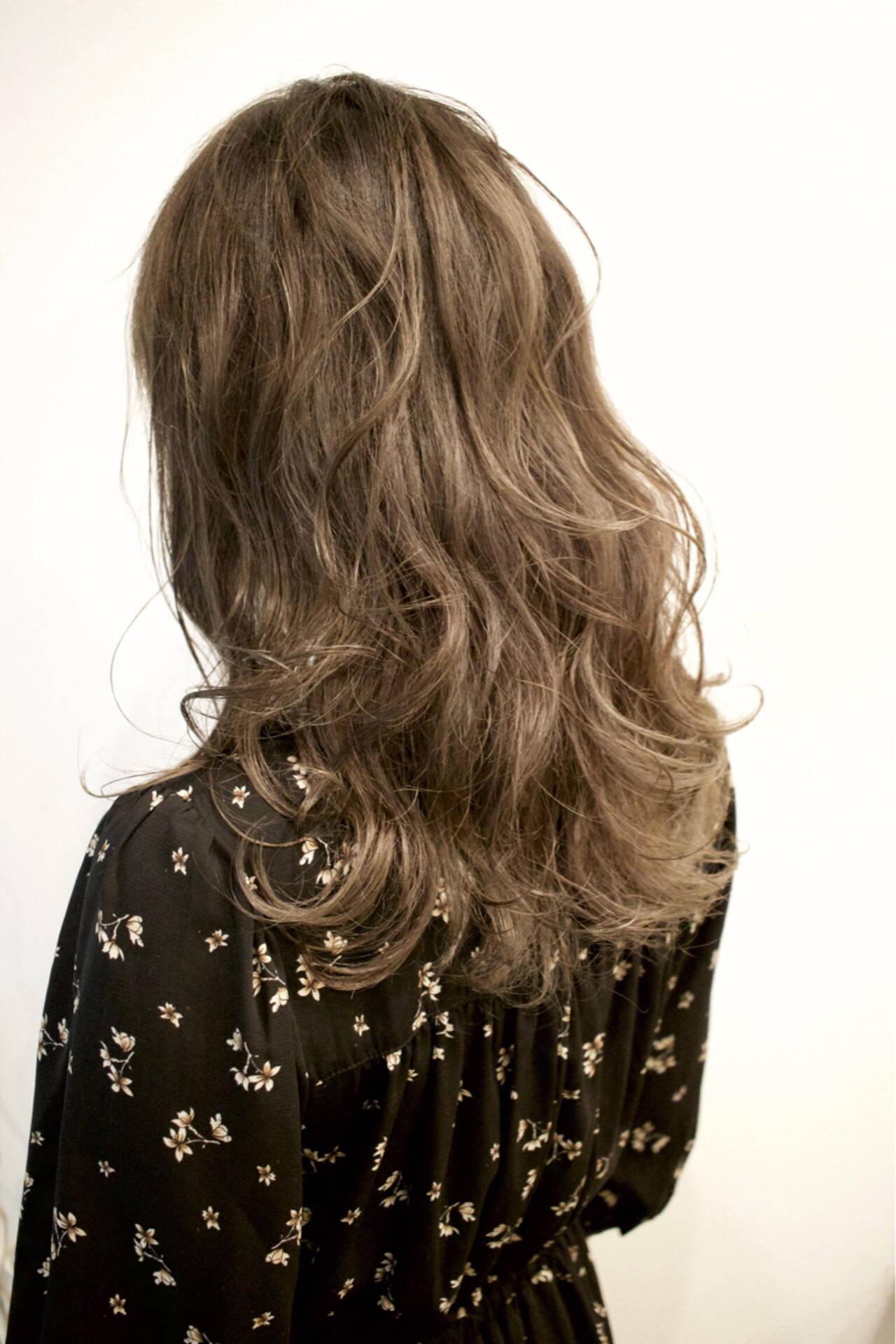 ハイライト グレージュ ダブルカラー 外国人風カラーヘアスタイルや髪型の写真・画像