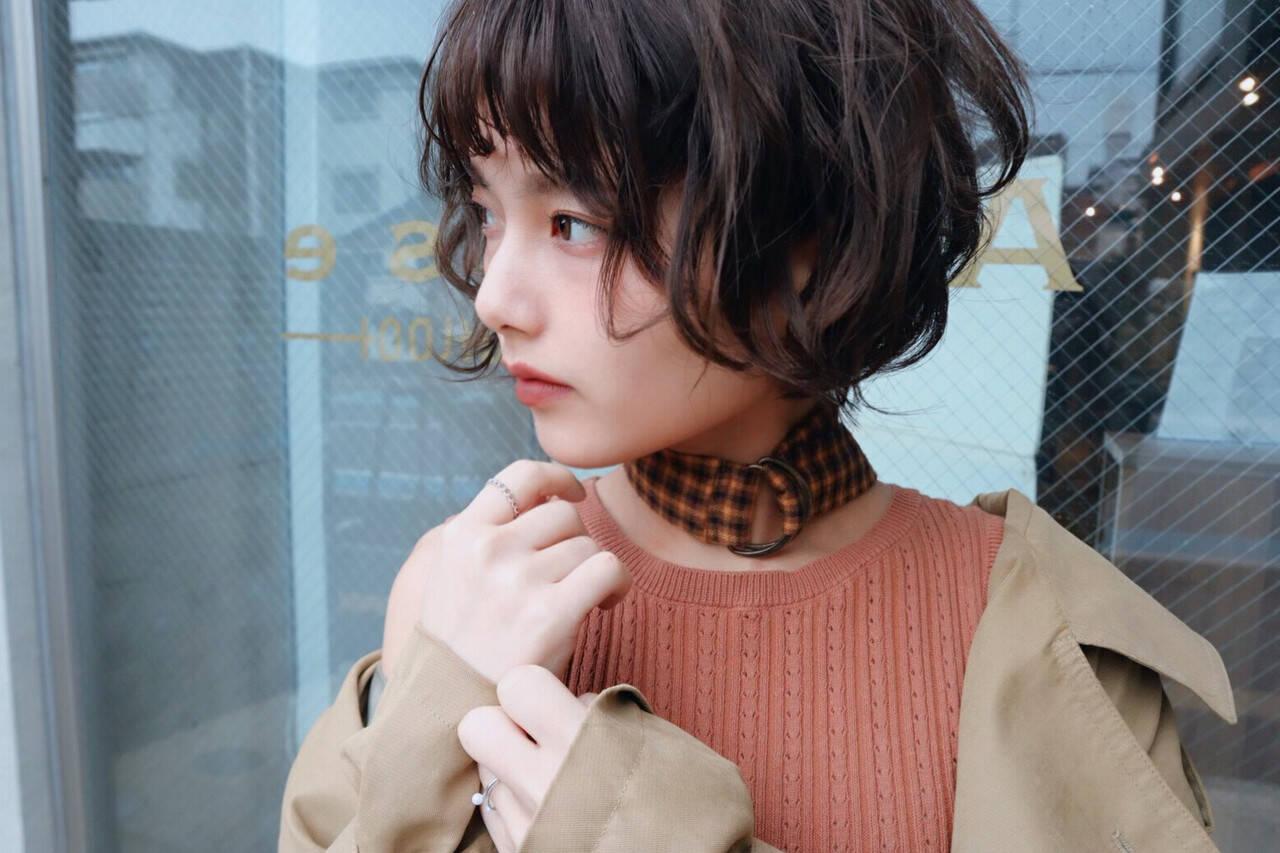 モード デート パーマ ショートヘアスタイルや髪型の写真・画像