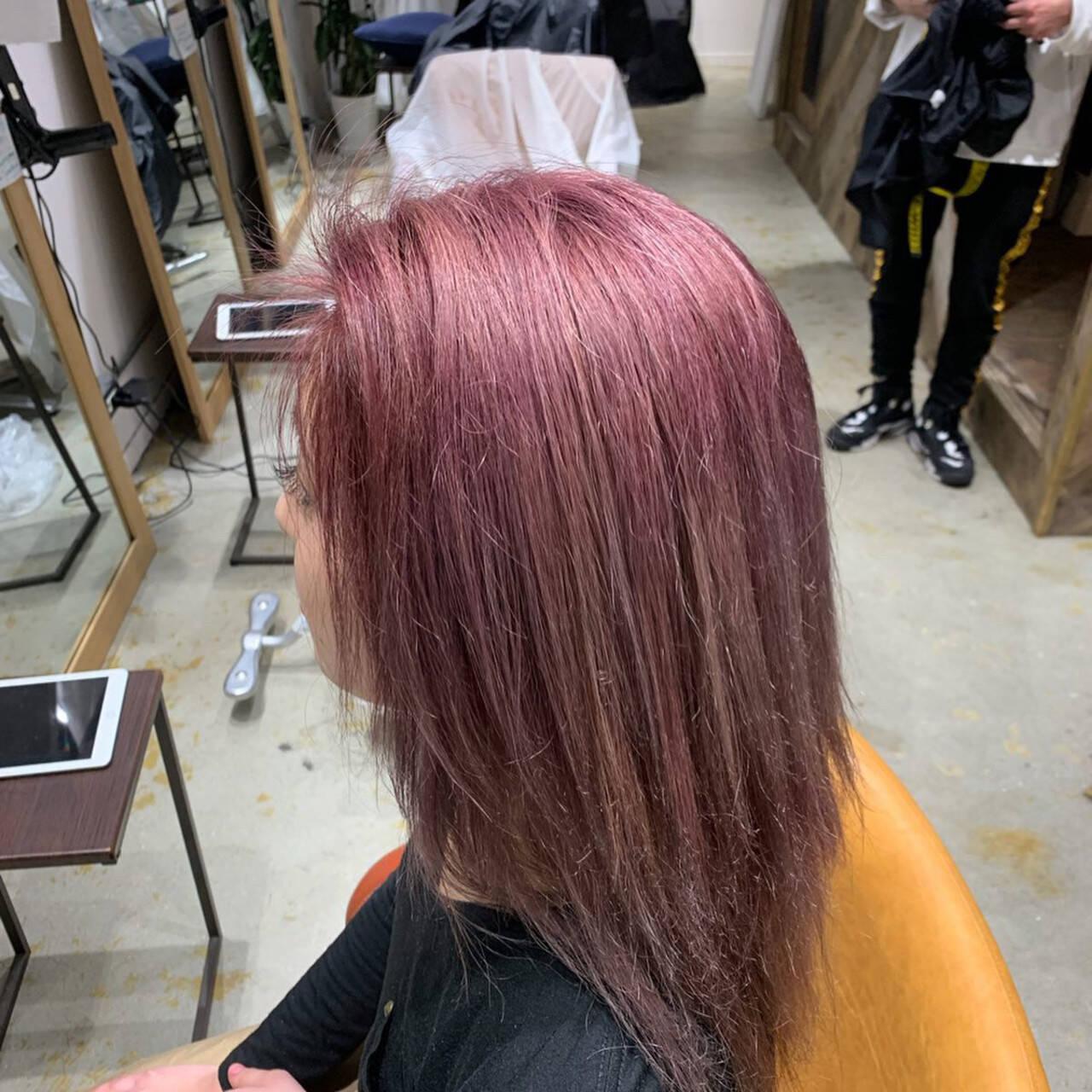 大学生 ピンクバイオレット ロング ピンクヘアスタイルや髪型の写真・画像