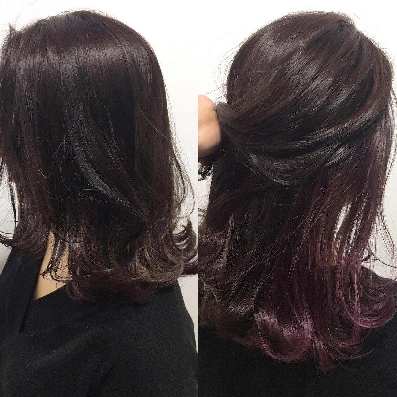 インナーカラー レッド セミロング 色気ヘアスタイルや髪型の写真・画像