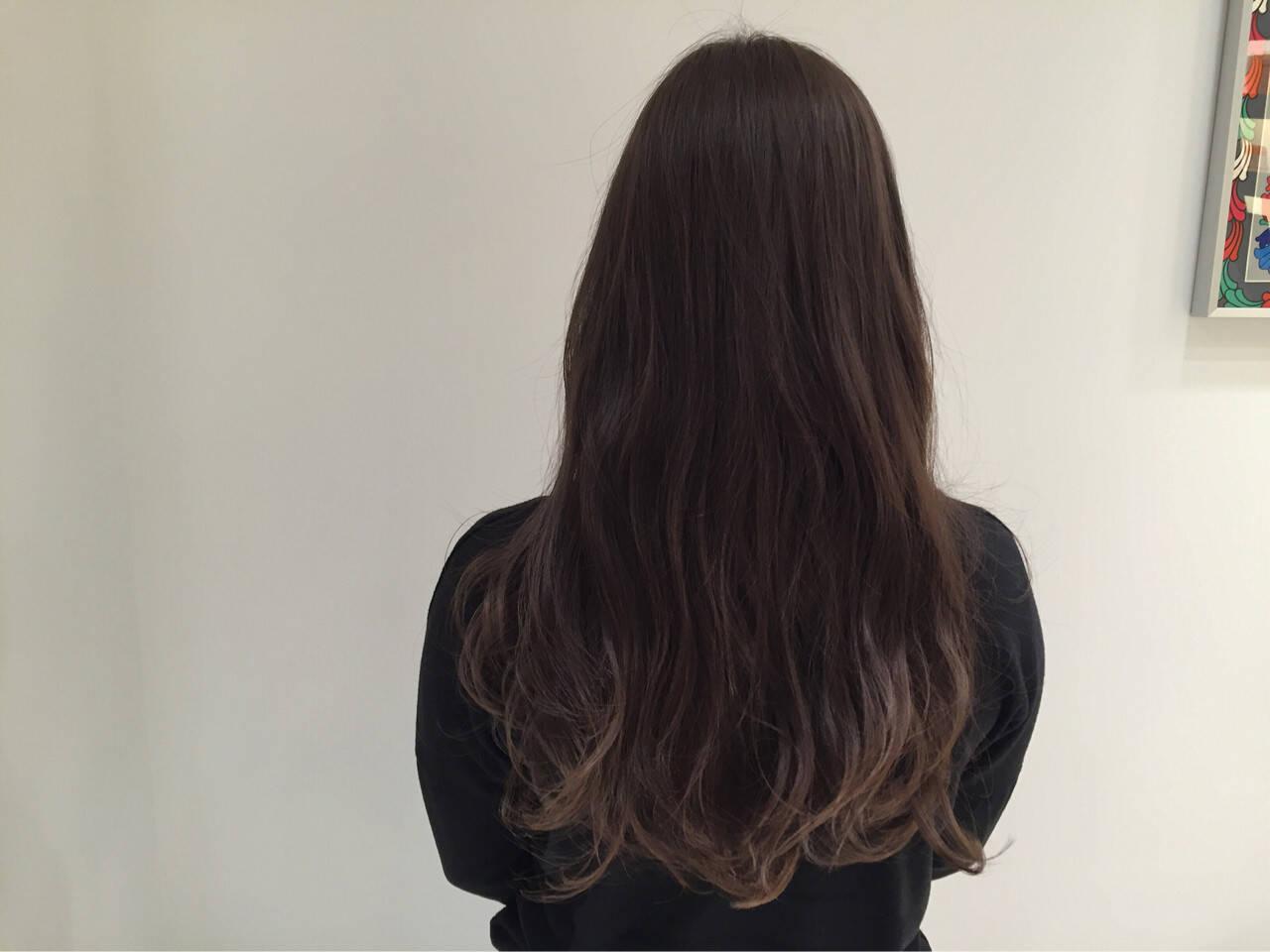 グレージュ ロング ハイライト グラデーションカラーヘアスタイルや髪型の写真・画像