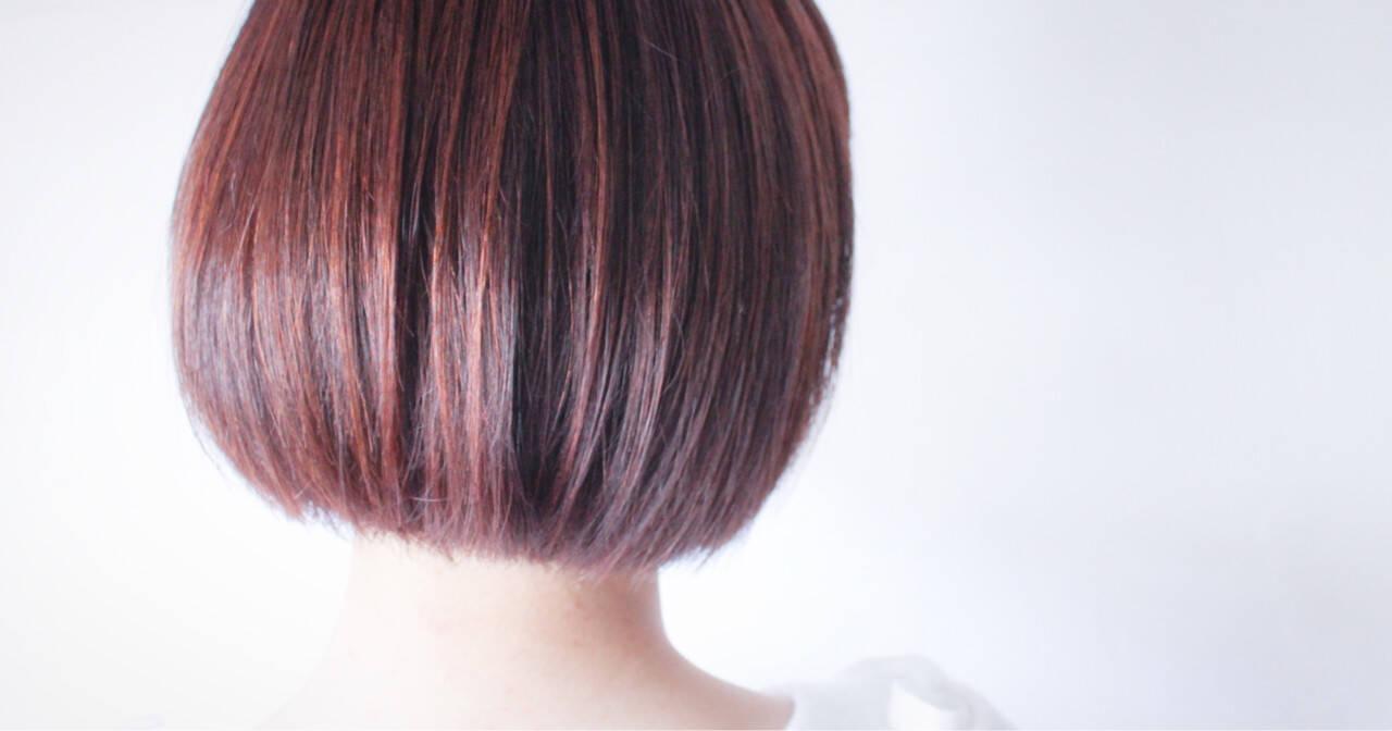 レッド アッシュバイオレット ハイライト ピンクヘアスタイルや髪型の写真・画像