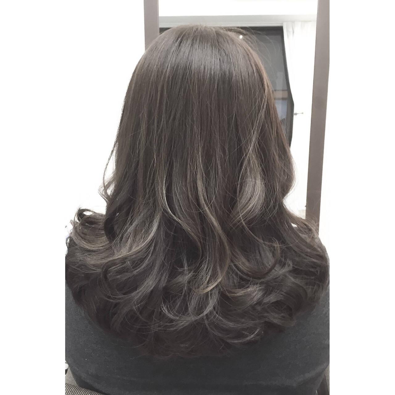 ミディアム 暗髪 大人かわいい ナチュラルヘアスタイルや髪型の写真・画像