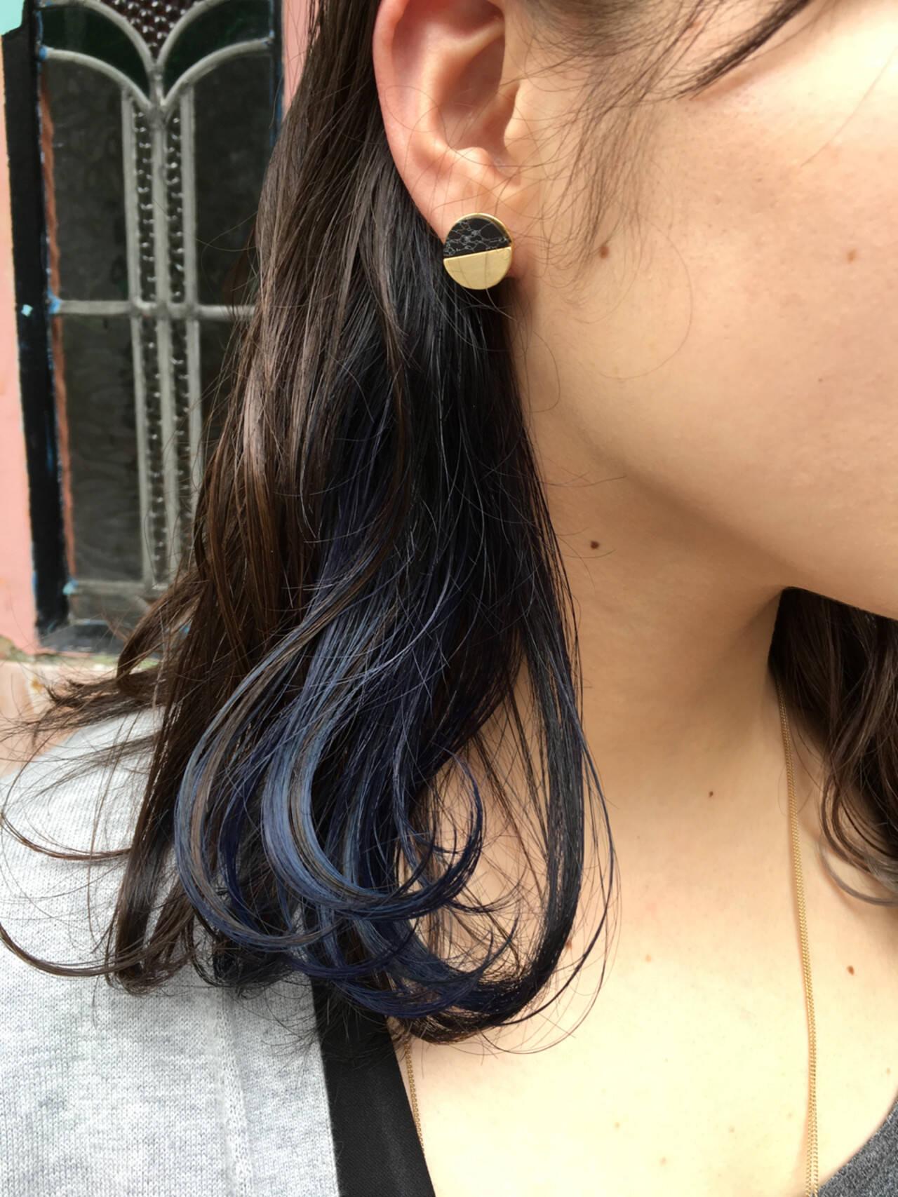 ネイビー インナーカラー 外国人風カラー セミロングヘアスタイルや髪型の写真・画像