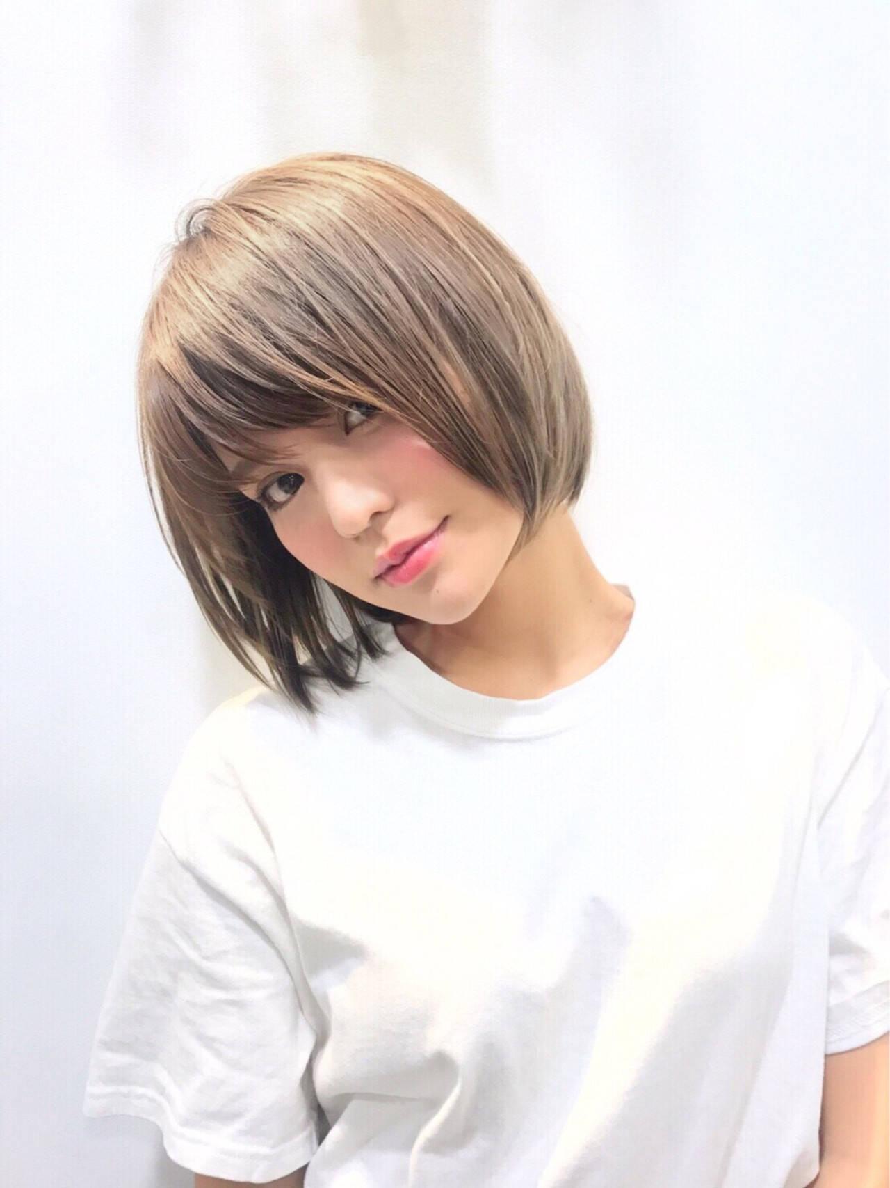 シースルーバング ナチュラル ハイトーン ショートヘアスタイルや髪型の写真・画像
