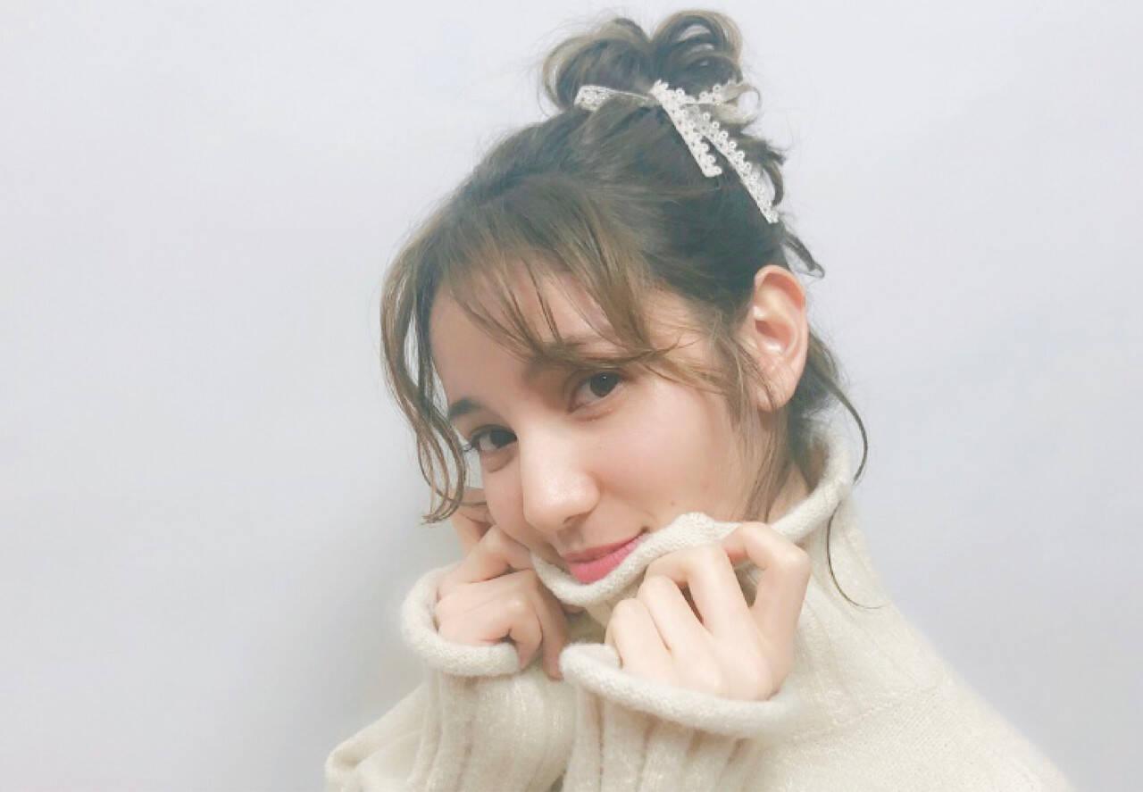 お団子 デート ルーズ ガーリーヘアスタイルや髪型の写真・画像