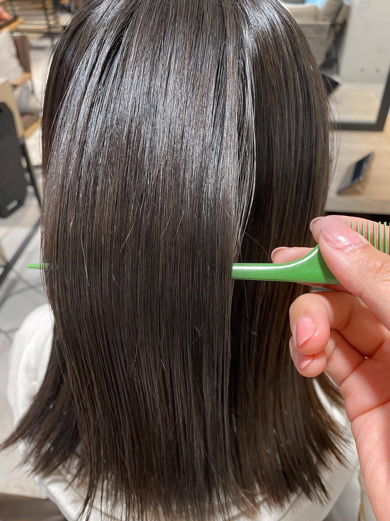 ベージュカラー ミディアム 髪質改善トリートメント 暗髪ヘアスタイルや髪型の写真・画像
