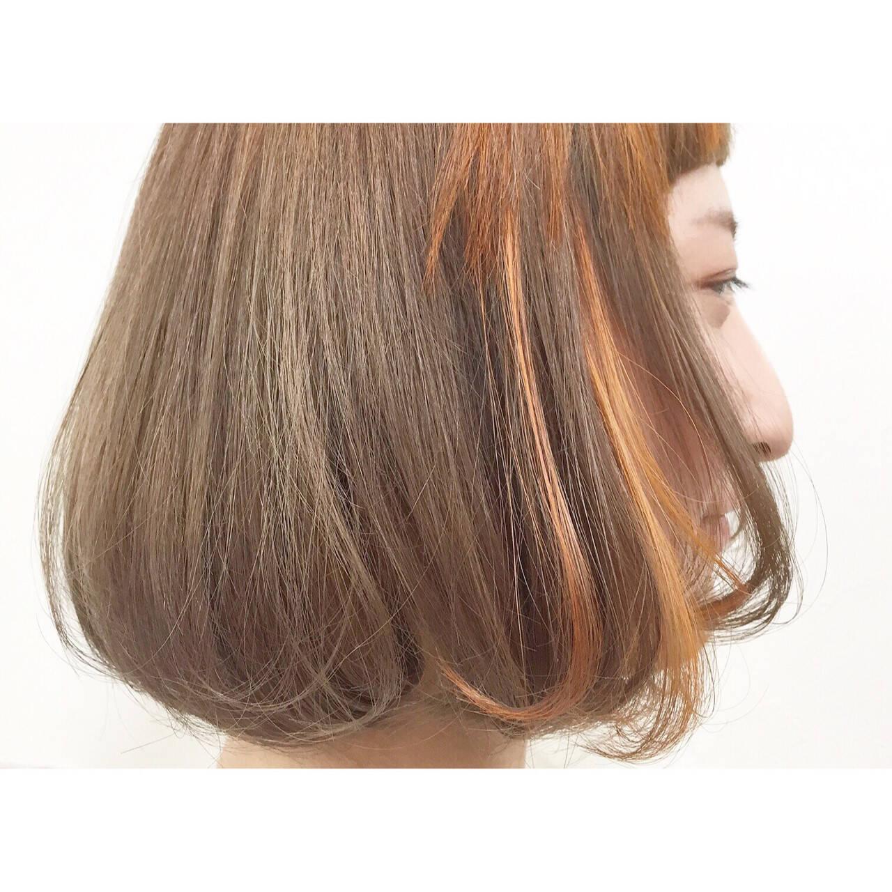 ダブルカラー インナーカラー アッシュ ストリートヘアスタイルや髪型の写真・画像