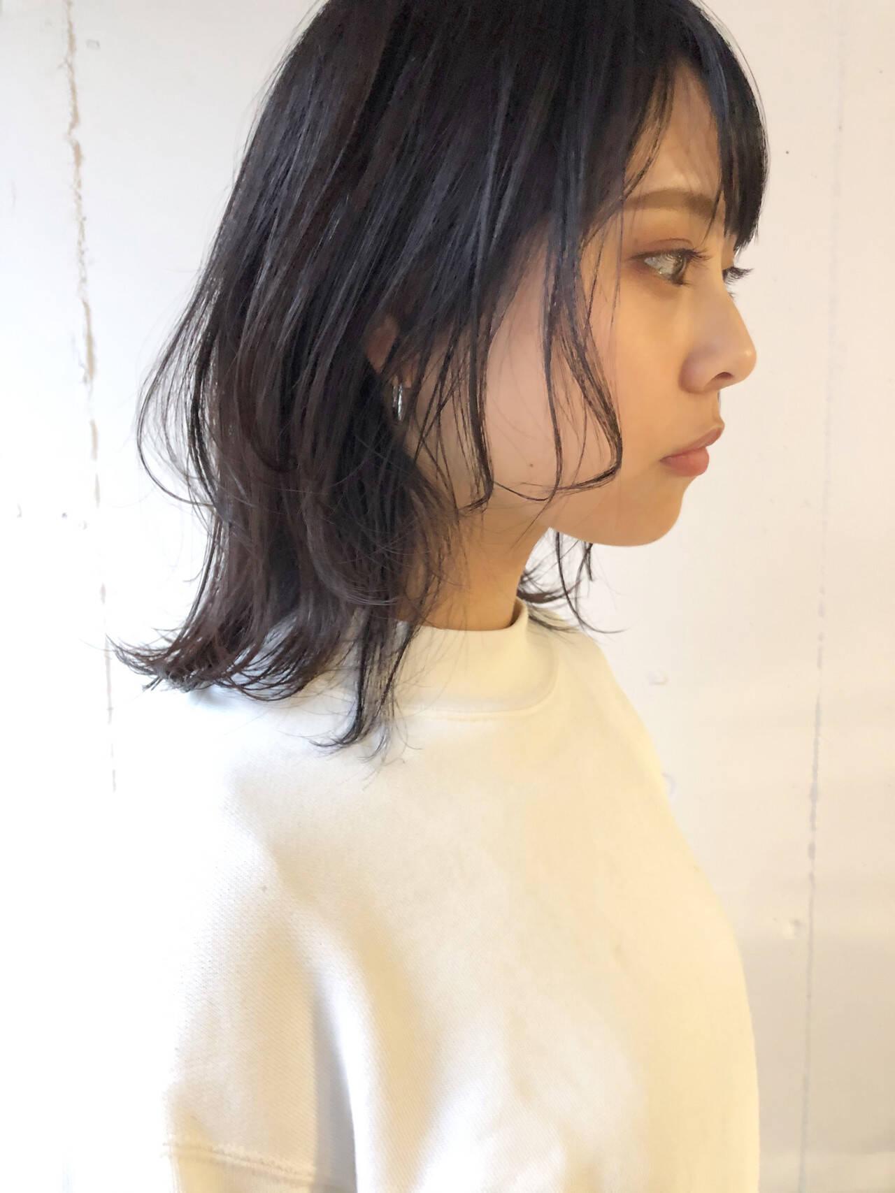 ナチュラル ミディアム ウルフカット ウルフパーマヘアヘアスタイルや髪型の写真・画像