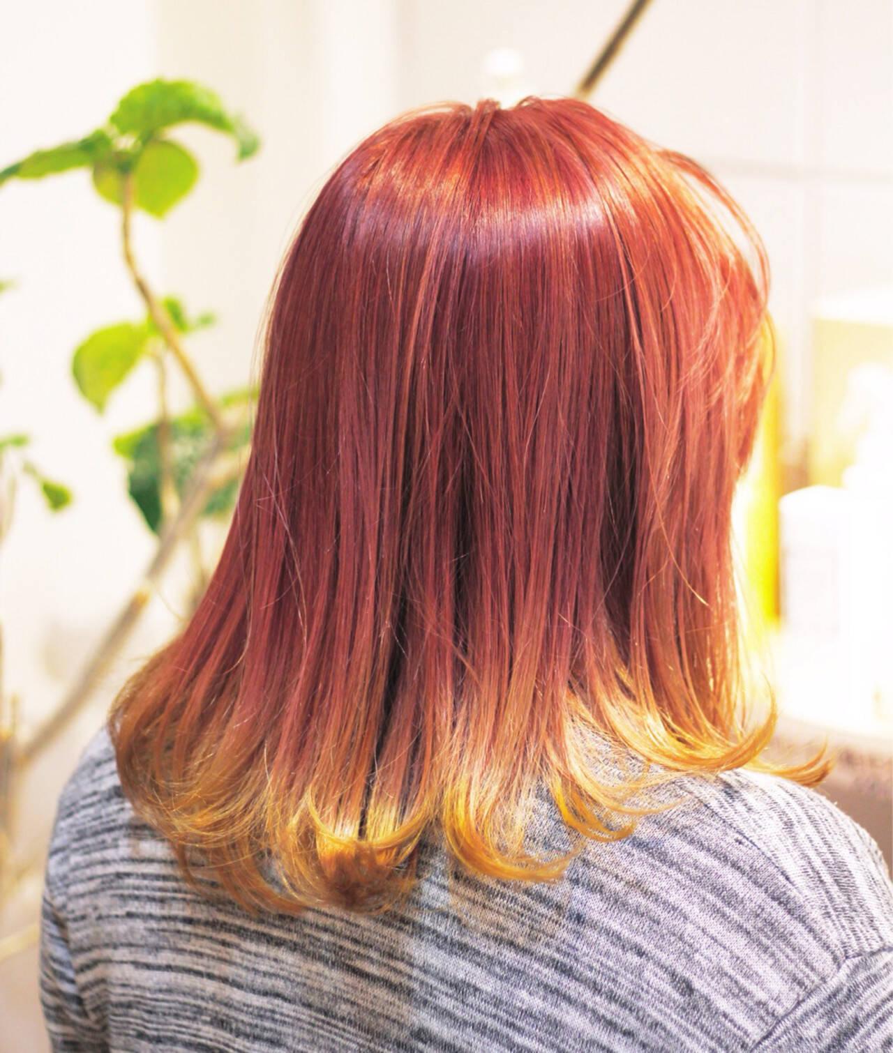 オレンジ イエロー ハイトーン ピンクヘアスタイルや髪型の写真・画像