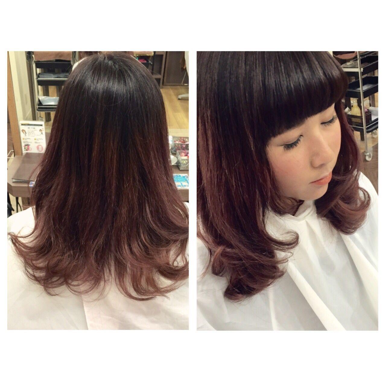 セミロング ピンク レッド ガーリーヘアスタイルや髪型の写真・画像