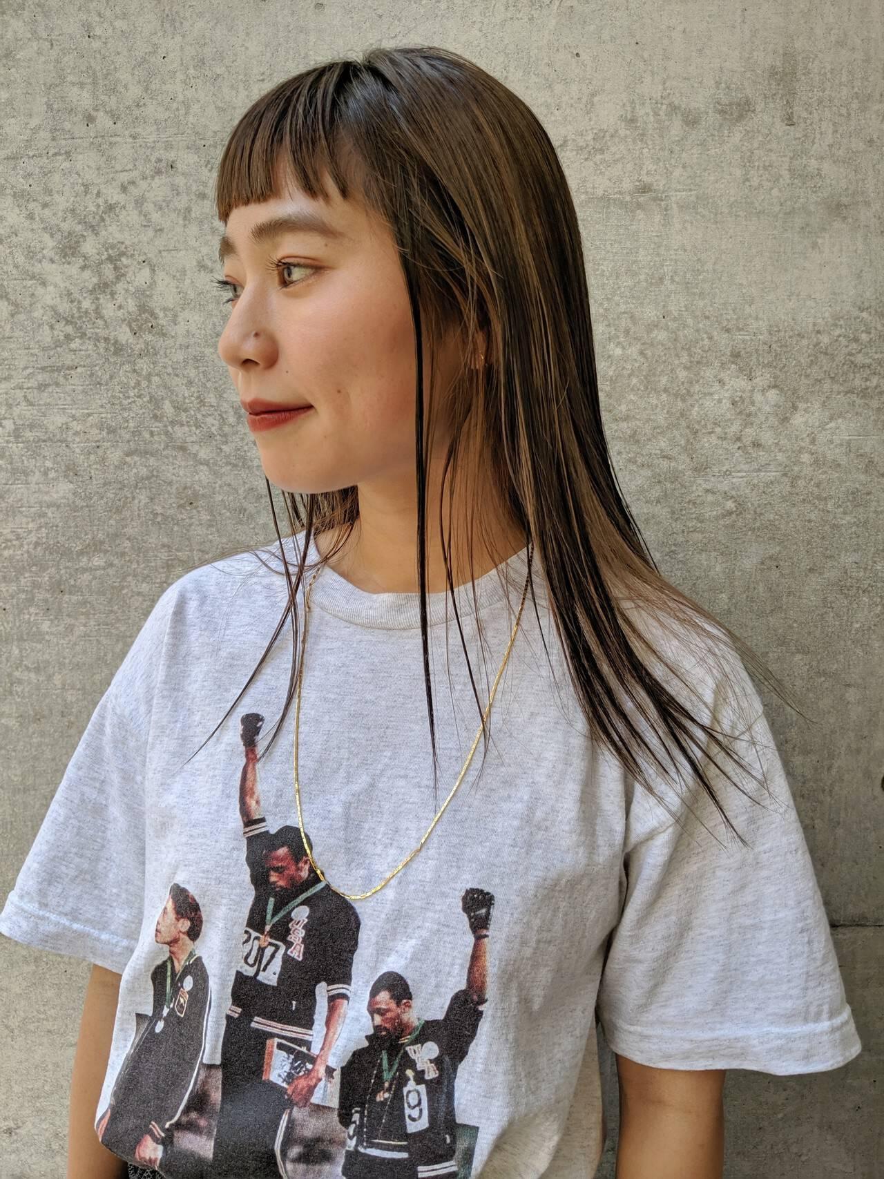 ローライト ロング ハイライト ナチュラルヘアスタイルや髪型の写真・画像