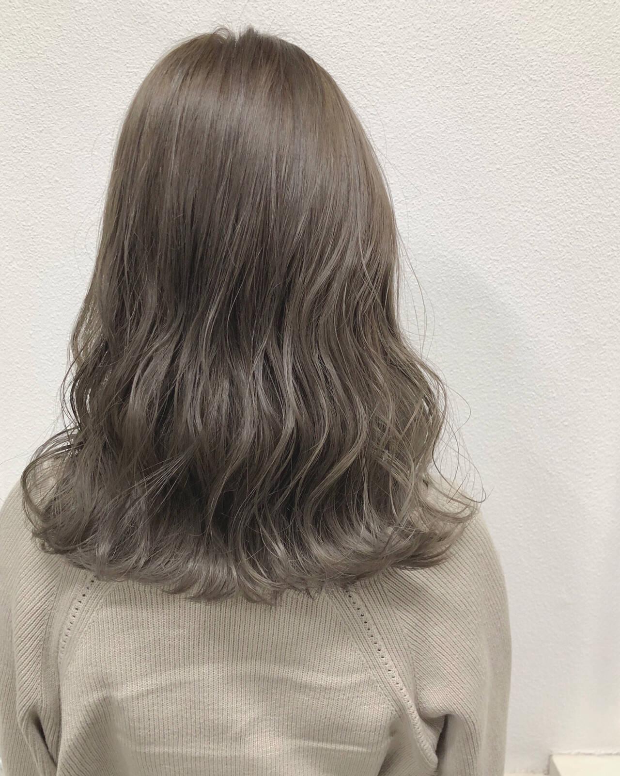 バレイヤージュ ミルクティーグレージュ 外国人風カラー ヘアアレンジヘアスタイルや髪型の写真・画像