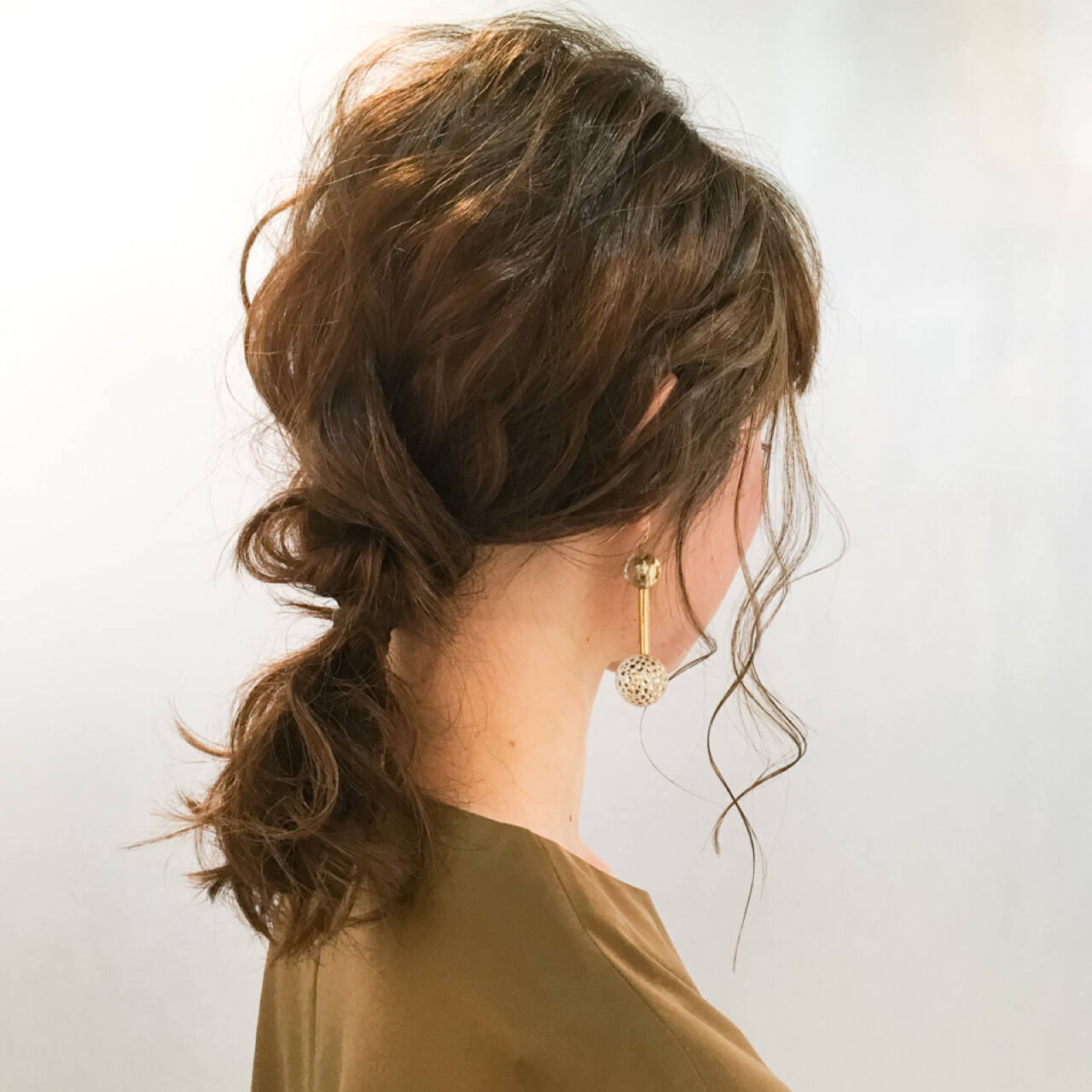 ハーフアップ ミディアム 簡単ヘアアレンジ 外国人風ヘアスタイルや髪型の写真・画像