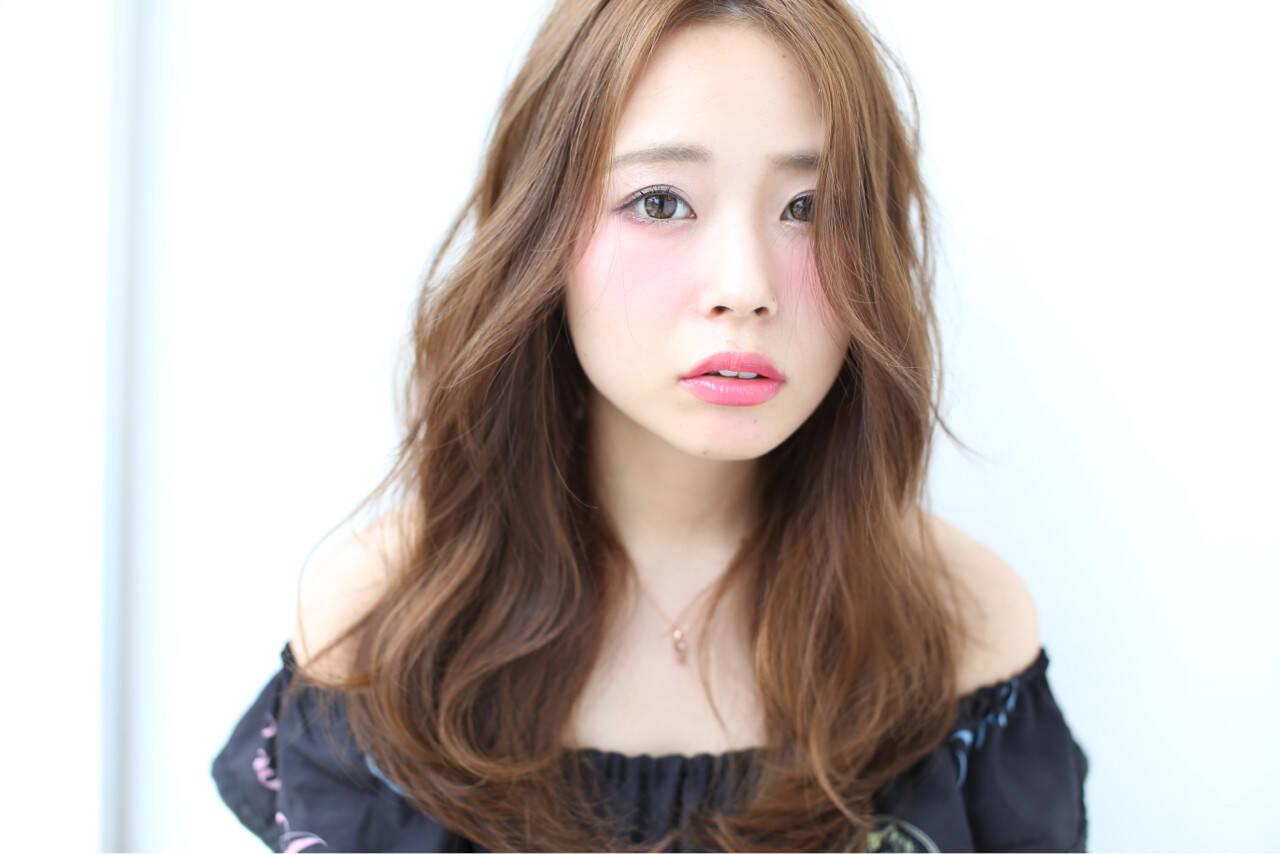 小顔 大人女子 ニュアンス ロングヘアスタイルや髪型の写真・画像