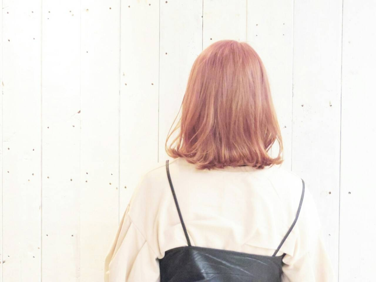 透明感 ミルクティー ボブ 外ハネヘアスタイルや髪型の写真・画像