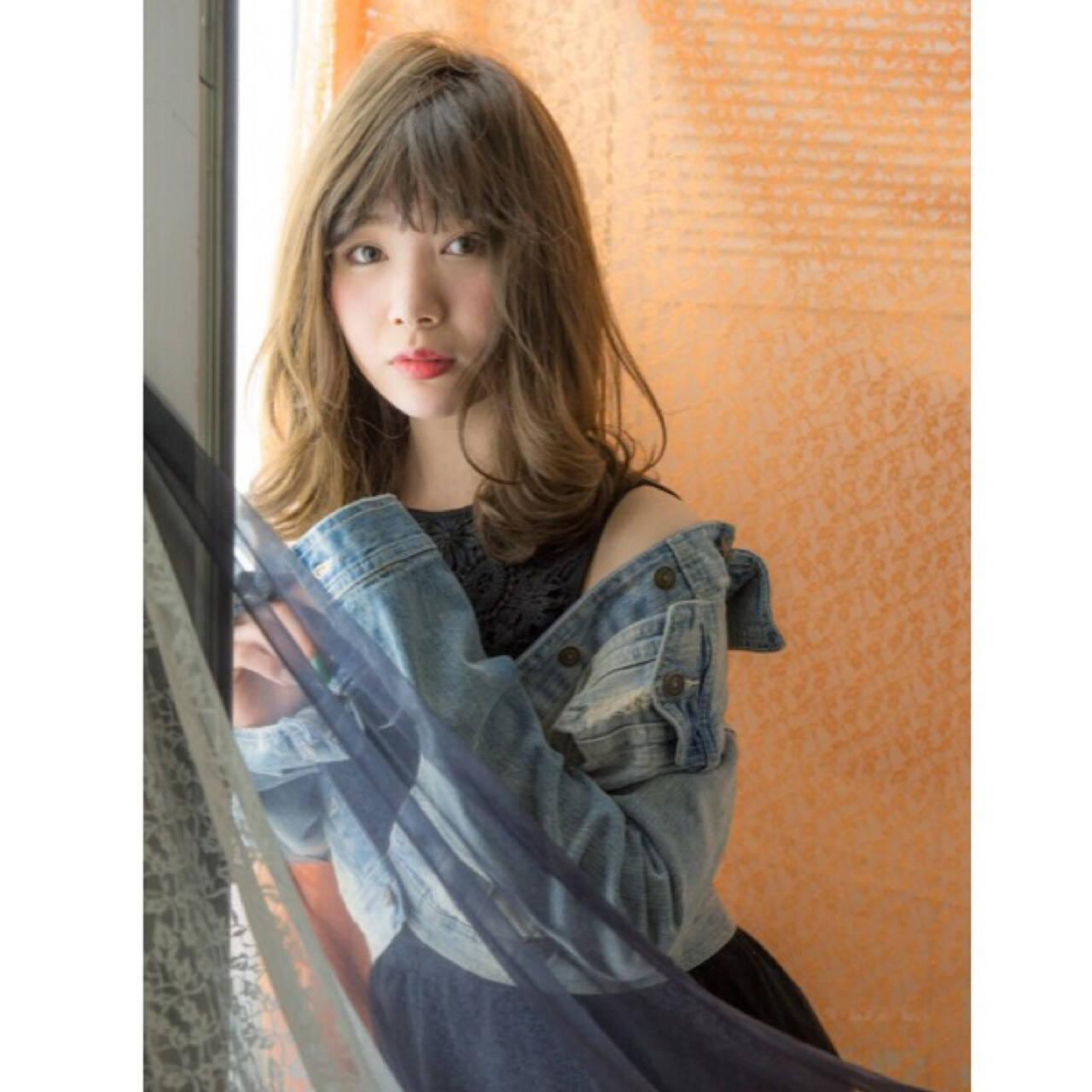 フェミニン かっこいい セミロング アンニュイヘアスタイルや髪型の写真・画像