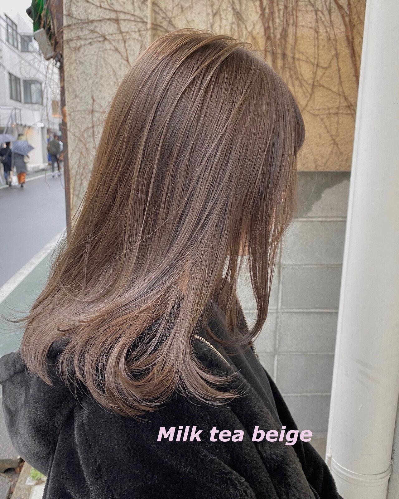 ミルクティーグレージュ ミルクティーベージュ イルミナカラー 切りっぱなしボブヘアスタイルや髪型の写真・画像