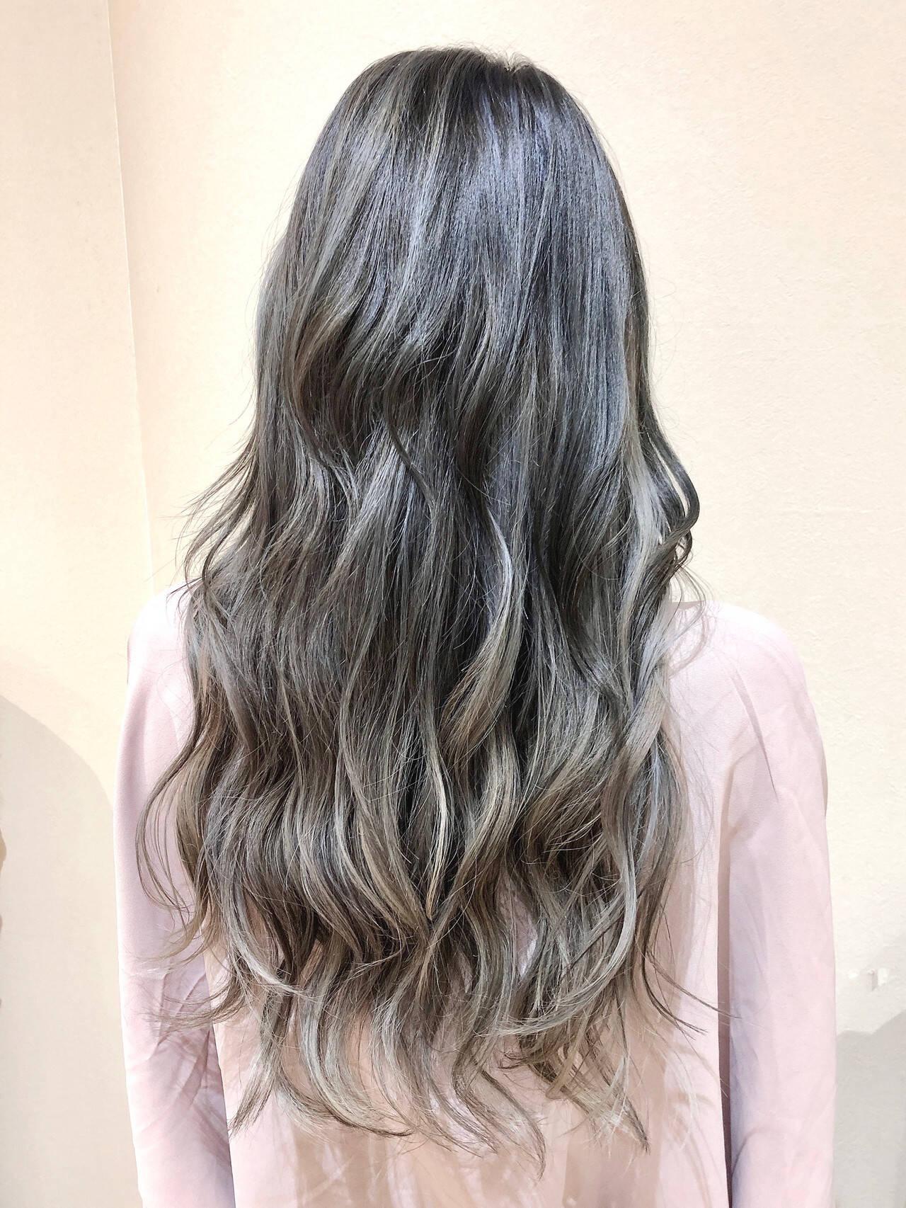 フェミニン ハイライト インナーカラー ロングヘアスタイルや髪型の写真・画像