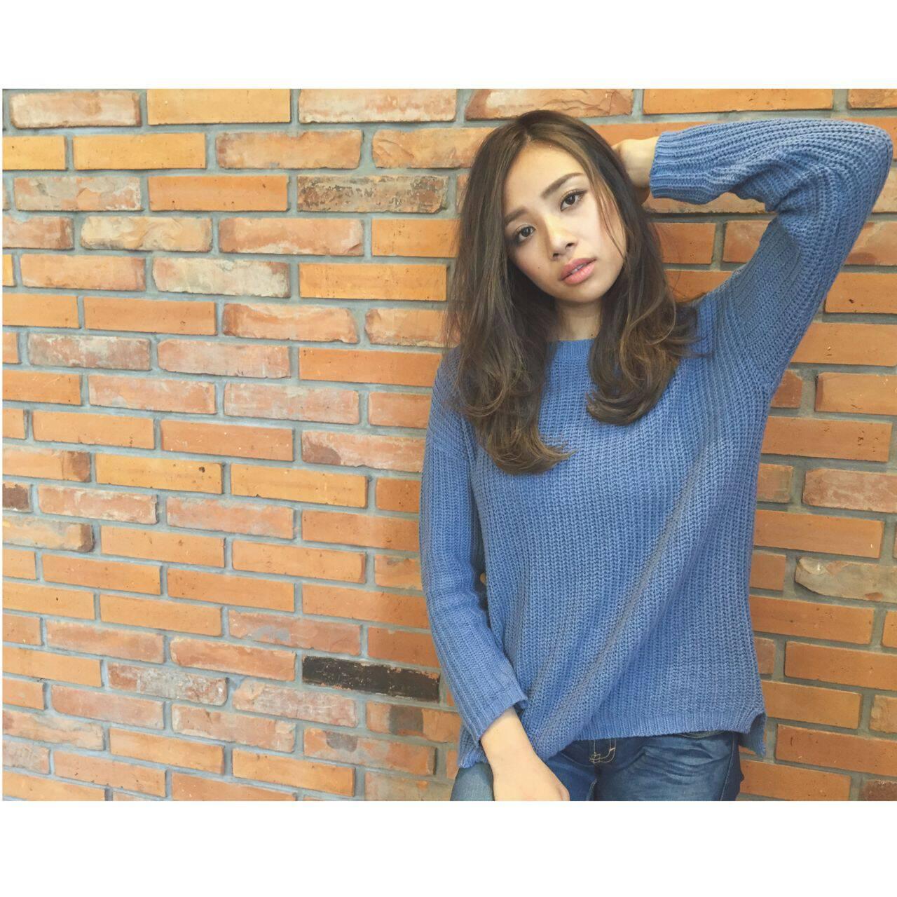 モード グラデーションカラー 外国人風 セミロングヘアスタイルや髪型の写真・画像