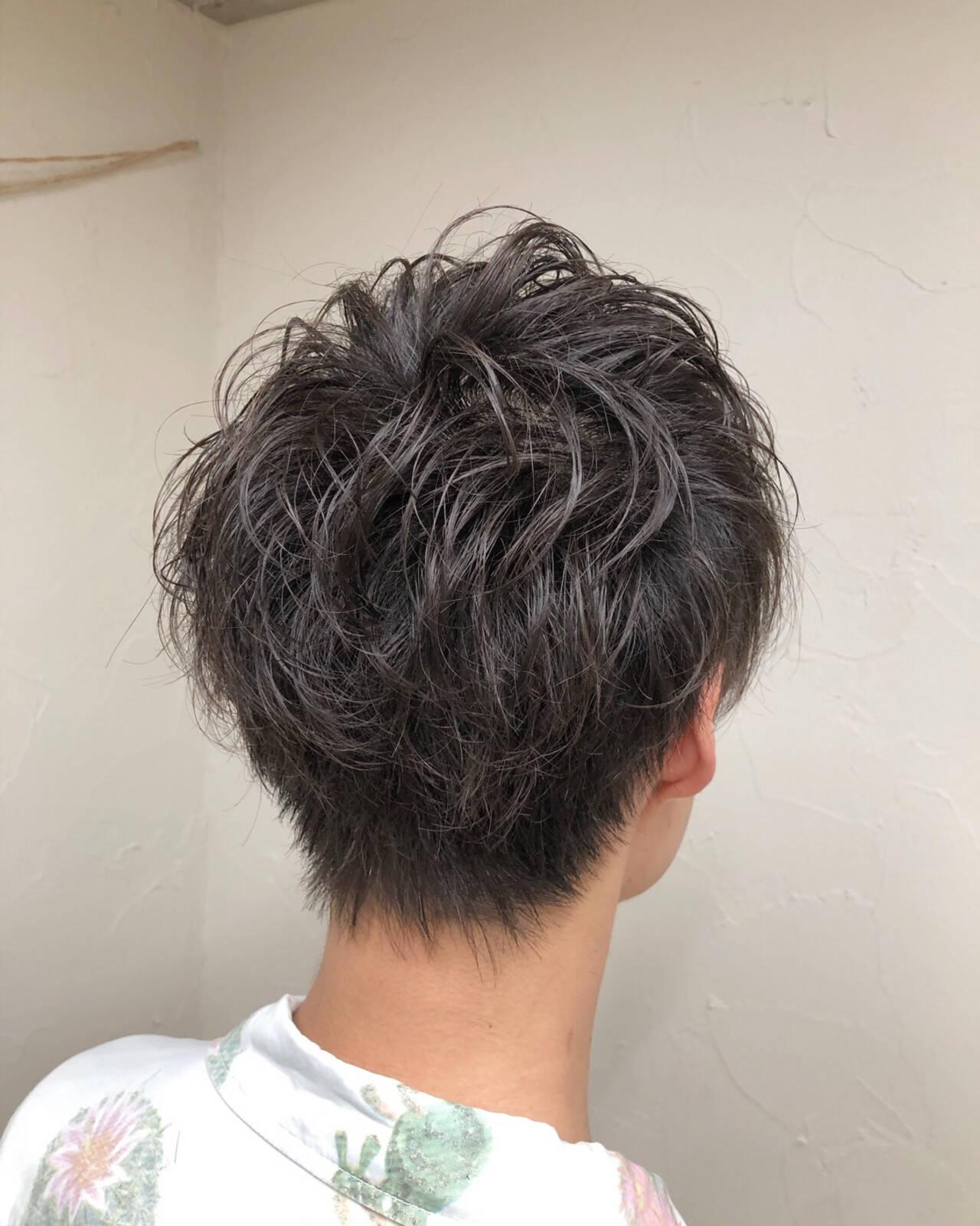 メンズパーマ ナチュラル メンズカット ショートヘアスタイルや髪型の写真・画像