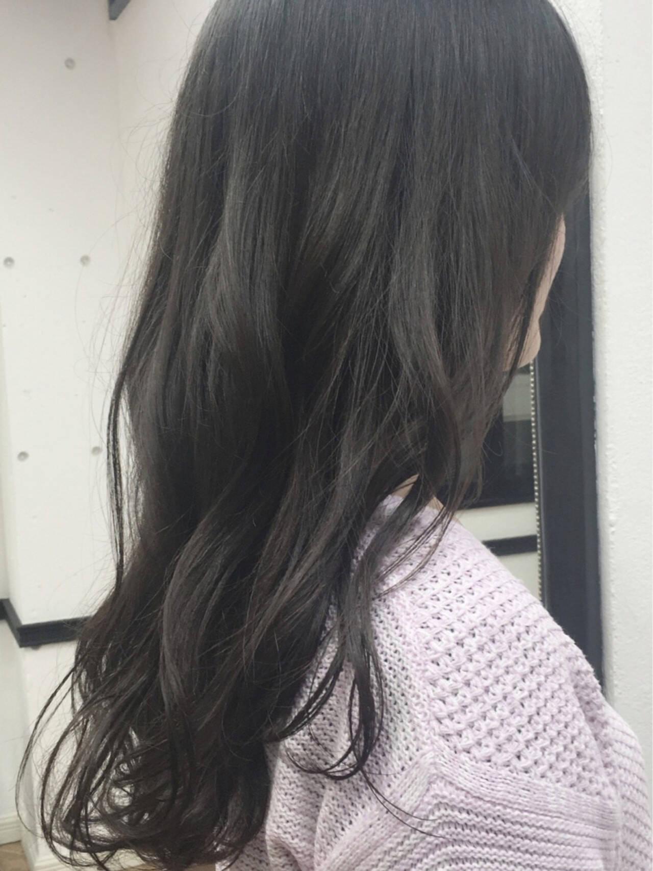 グラデーションカラー グレージュ アッシュ 暗髪ヘアスタイルや髪型の写真・画像