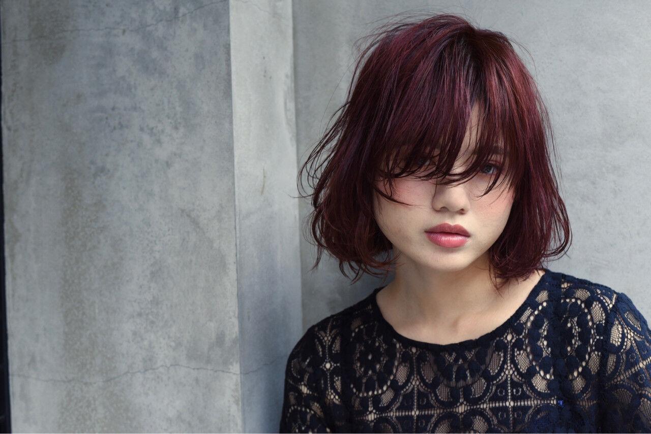ウェットヘア ガーリー ストリート 外国人風ヘアスタイルや髪型の写真・画像