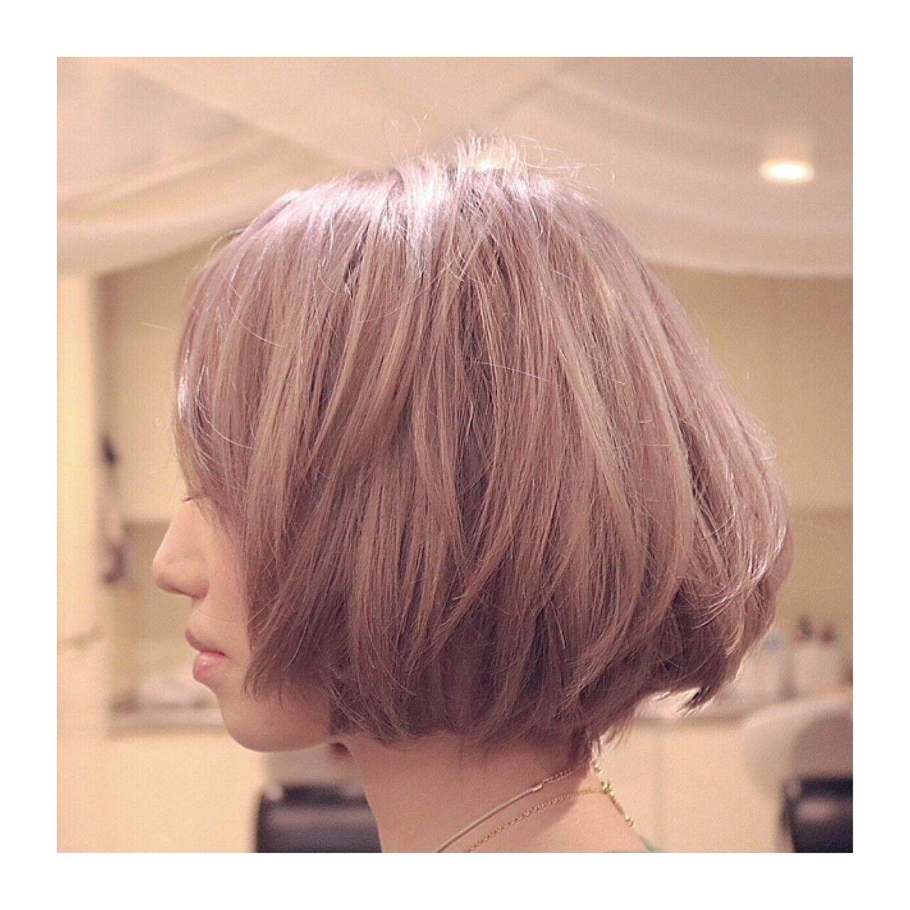 ハイトーン ストリート ボブ ミルクティーヘアスタイルや髪型の写真・画像