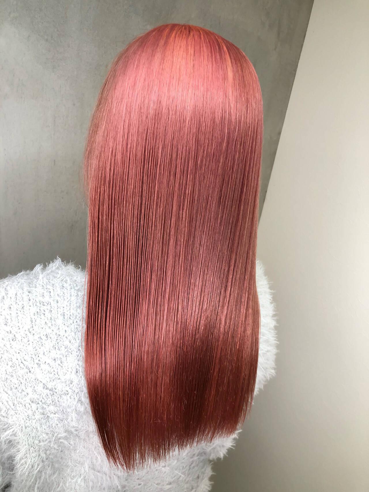 ベリーピンク セミロング ラベンダーピンク ピンクブラウンヘアスタイルや髪型の写真・画像