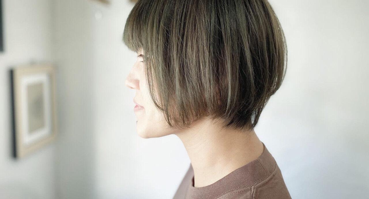 カーキアッシュ ショート マッシュショート カーキヘアスタイルや髪型の写真・画像
