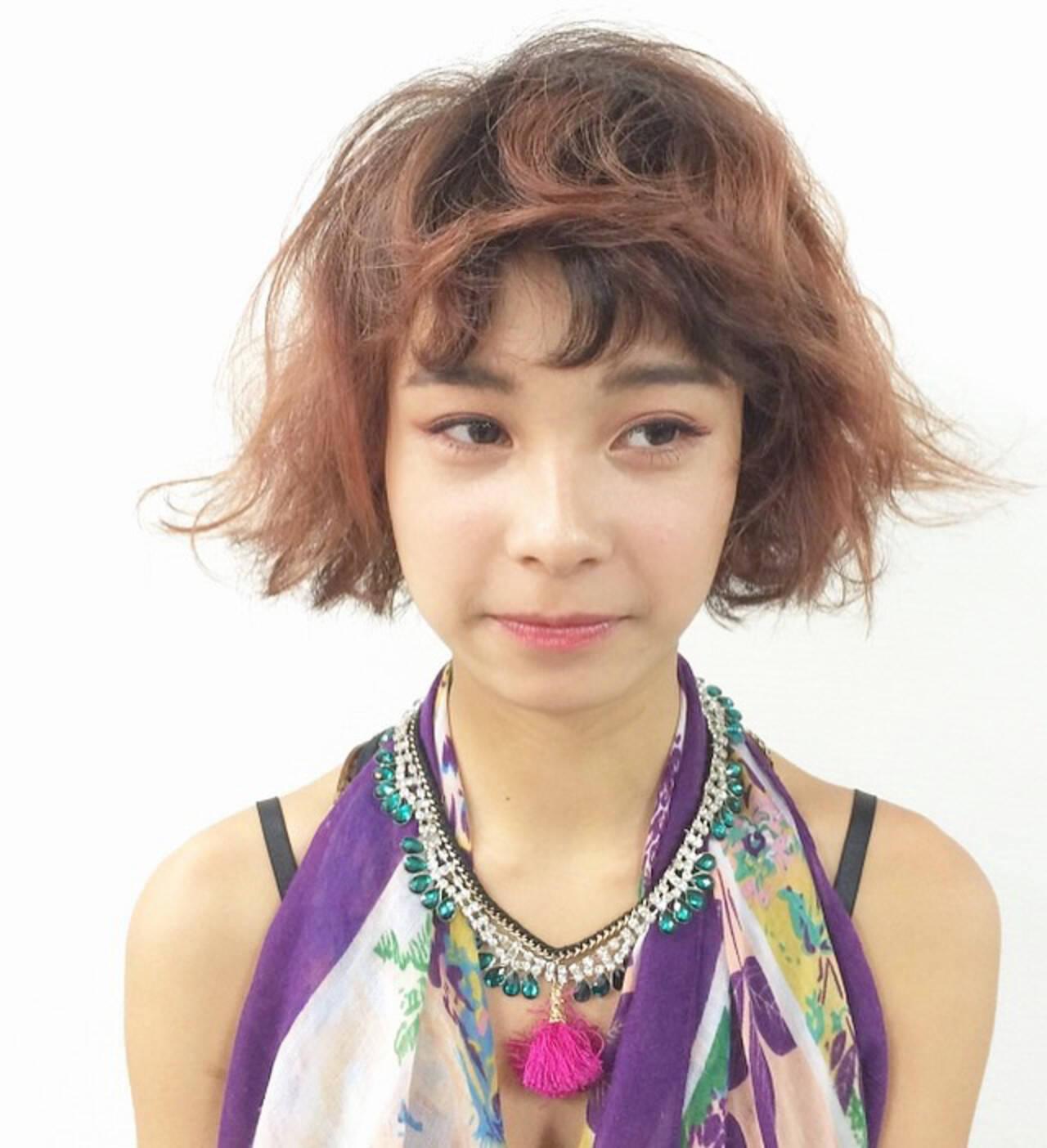 ショートバング パーマ ボブ セミウェットヘアスタイルや髪型の写真・画像