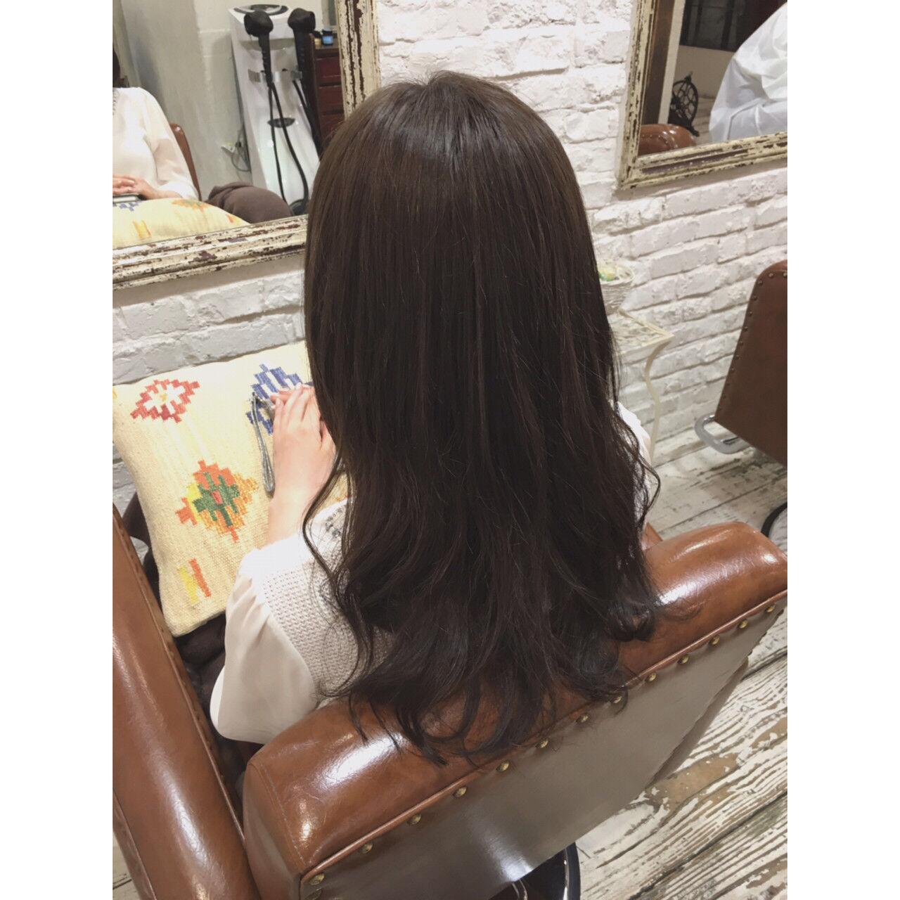 セミロング 大人かわいい 外国人風 アッシュヘアスタイルや髪型の写真・画像