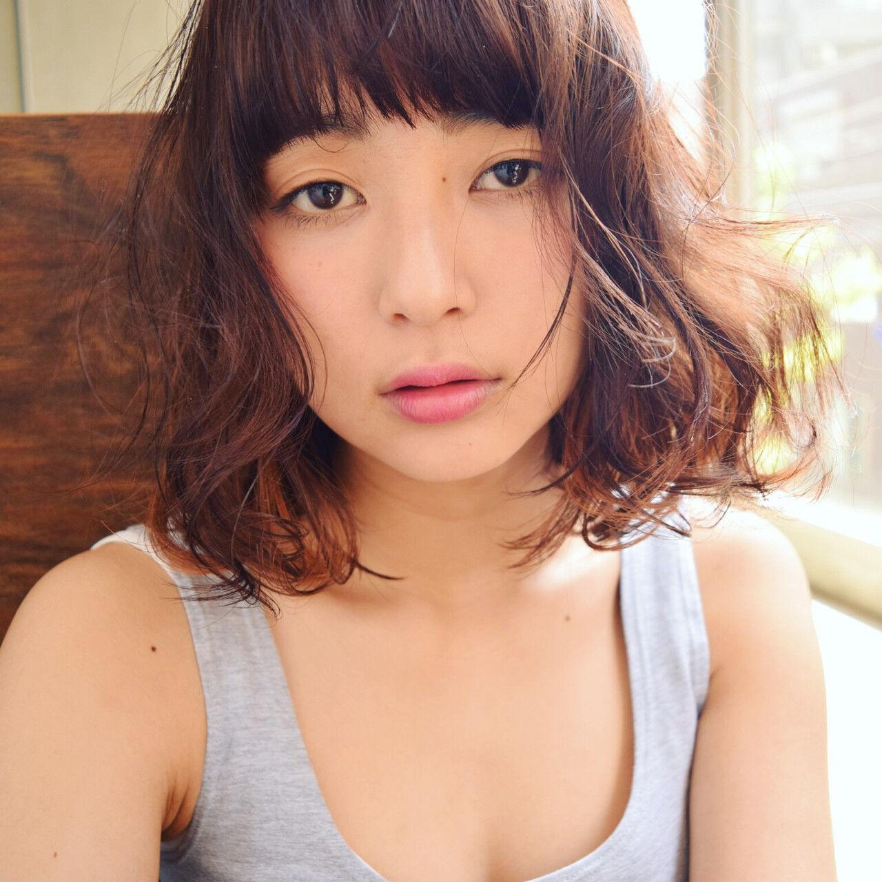 ミディアム フェミニン ゆるふわ 前髪ありヘアスタイルや髪型の写真・画像