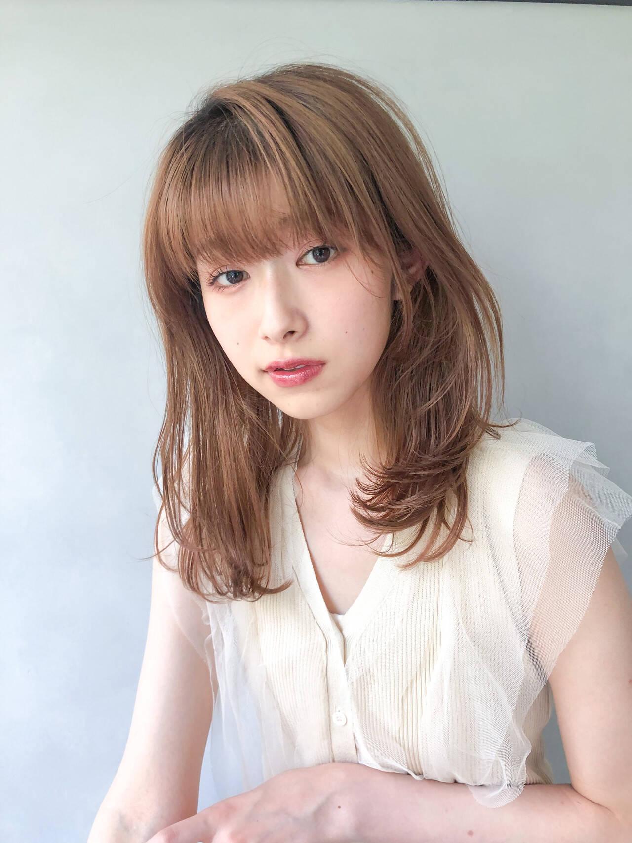 シルバーグレージュ ベリーピンク ミニボブ ショートヘアヘアスタイルや髪型の写真・画像