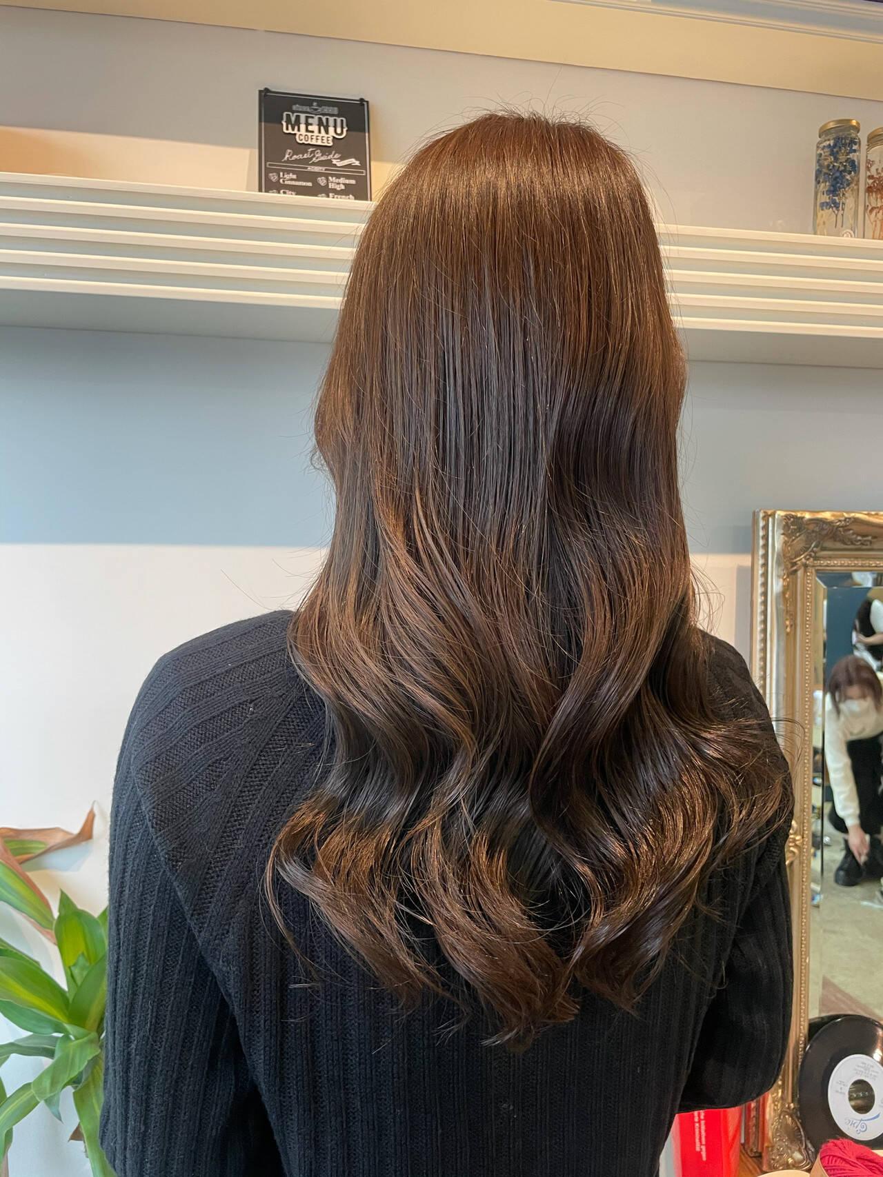 ベージュカラー エレガント シアーベージュ ロングヘアスタイルや髪型の写真・画像