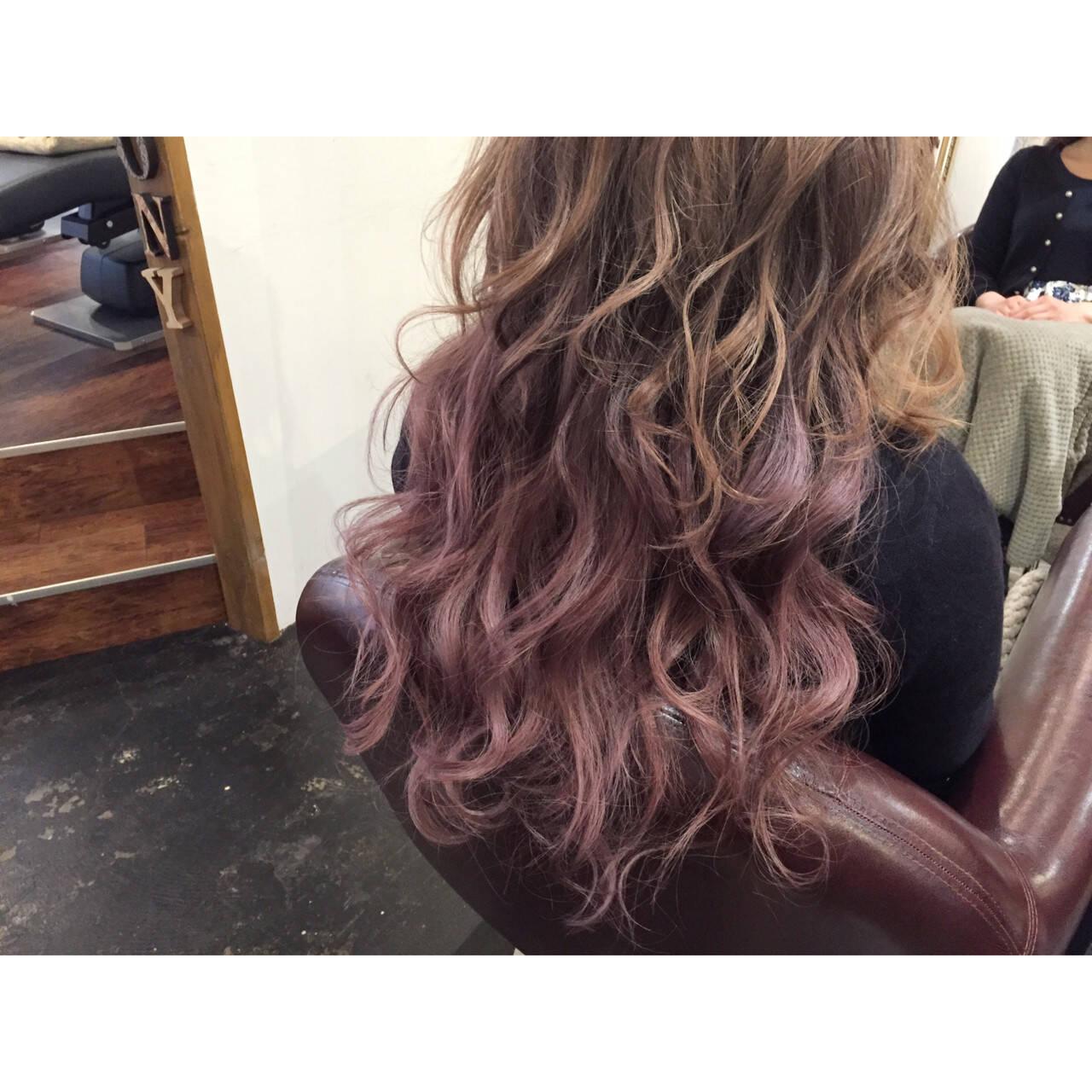ピンク 外国人風 パープル グラデーションカラーヘアスタイルや髪型の写真・画像