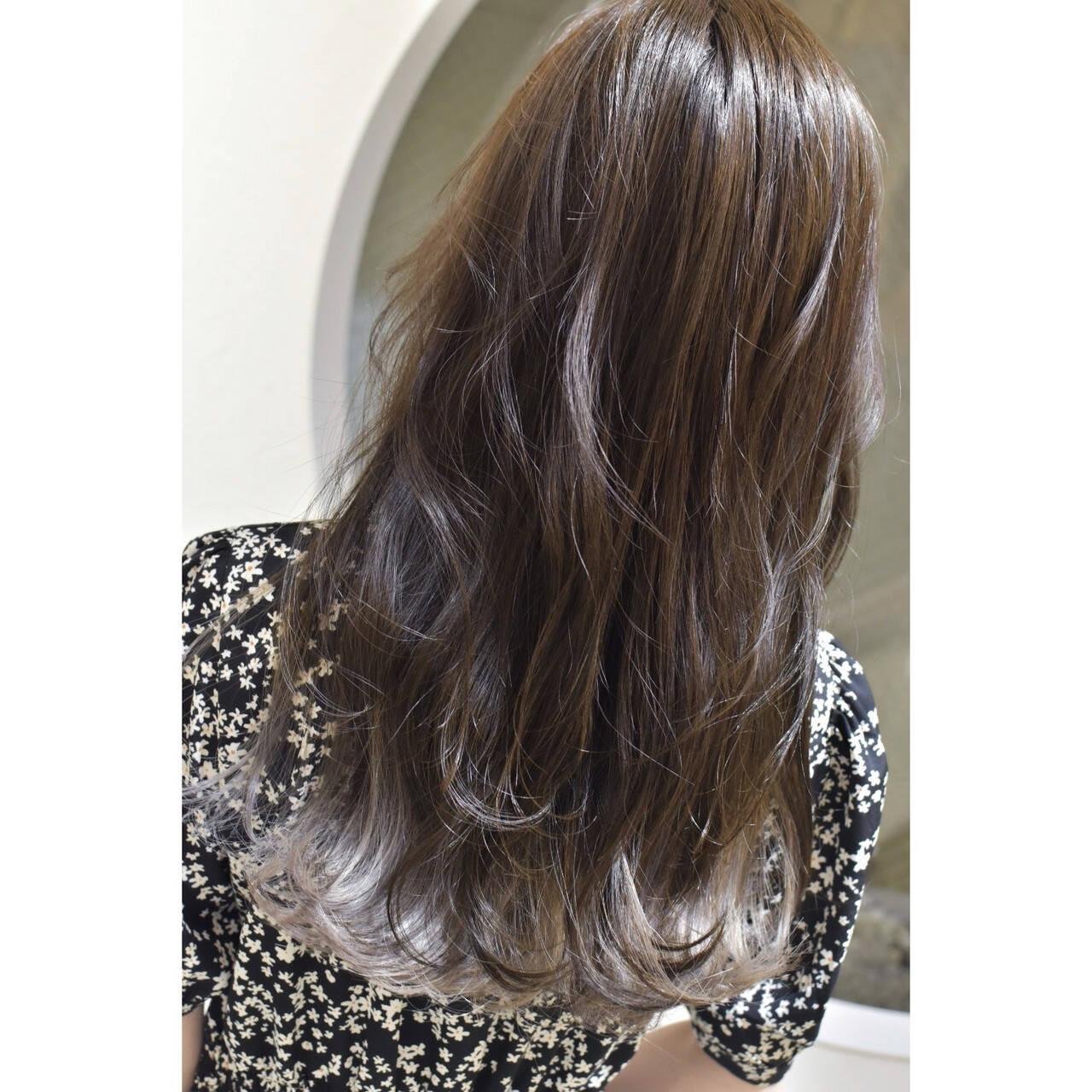 ホワイト ロング ホワイトシルバー ホワイトグラデーションヘアスタイルや髪型の写真・画像