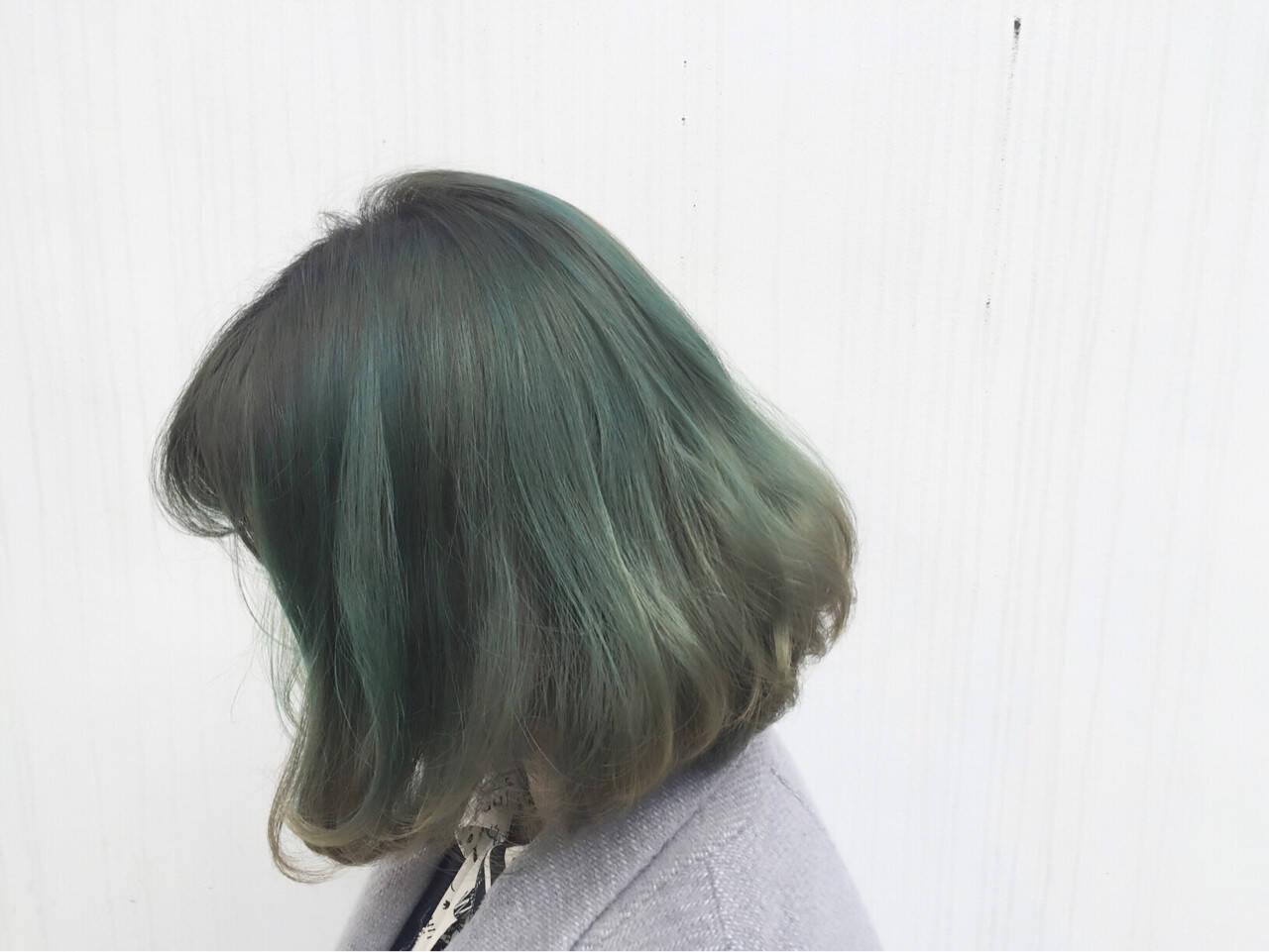 外国人風 グラデーションカラー 暗髪 ストリートヘアスタイルや髪型の写真・画像