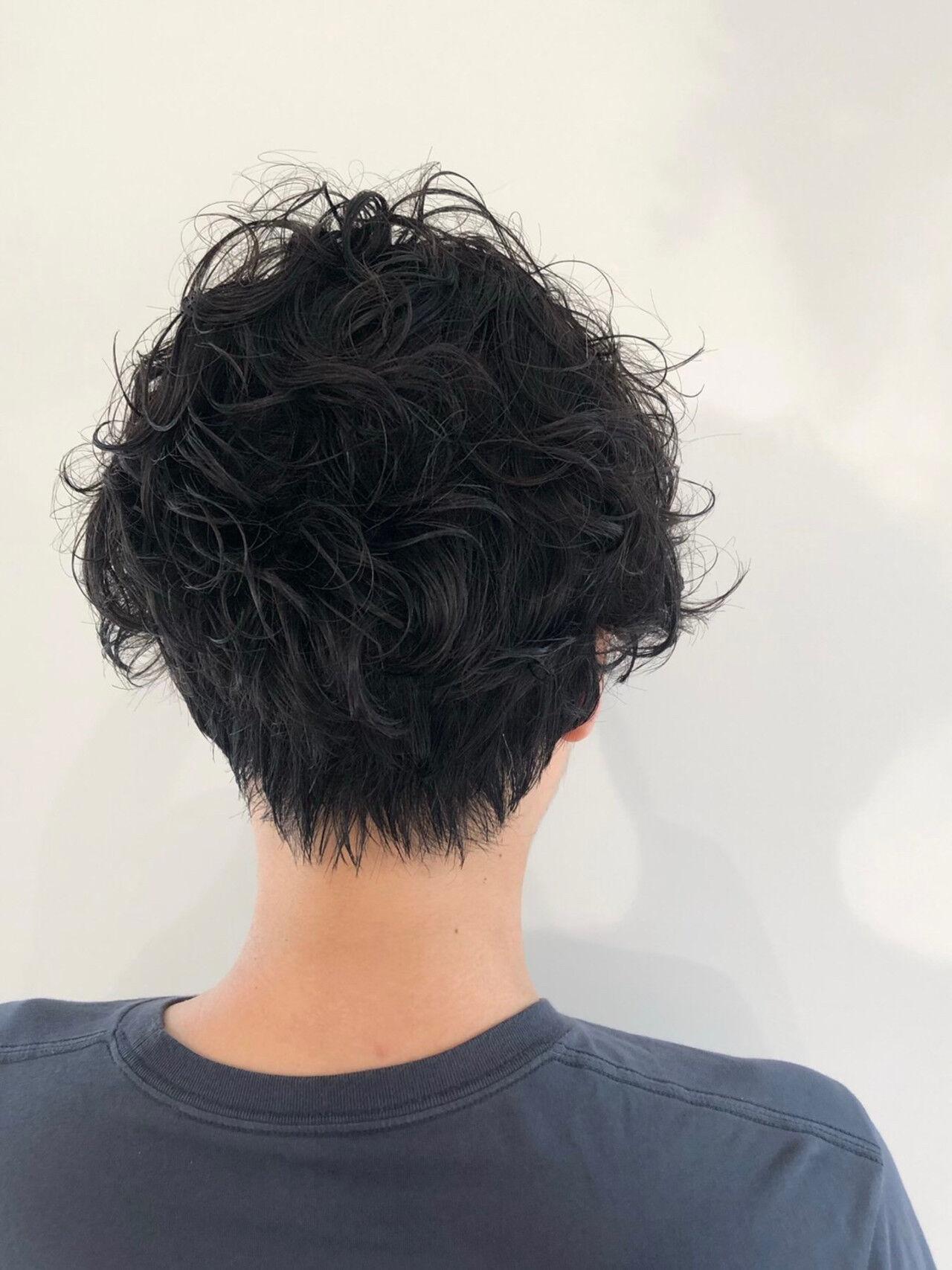 前下がり ストリート 黒髪 ショートヘアスタイルや髪型の写真・画像