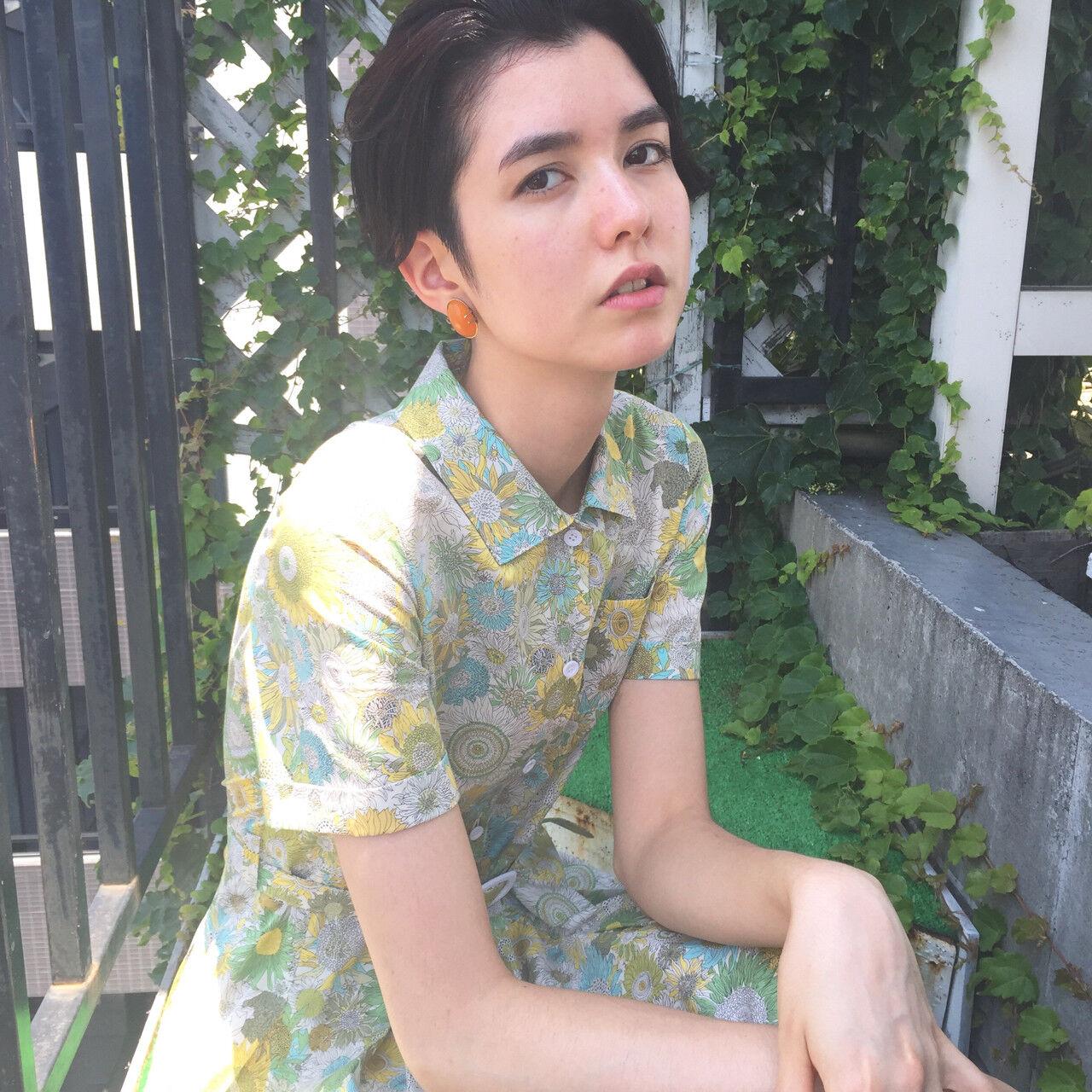 外国人風 モード 暗髪 透明感ヘアスタイルや髪型の写真・画像