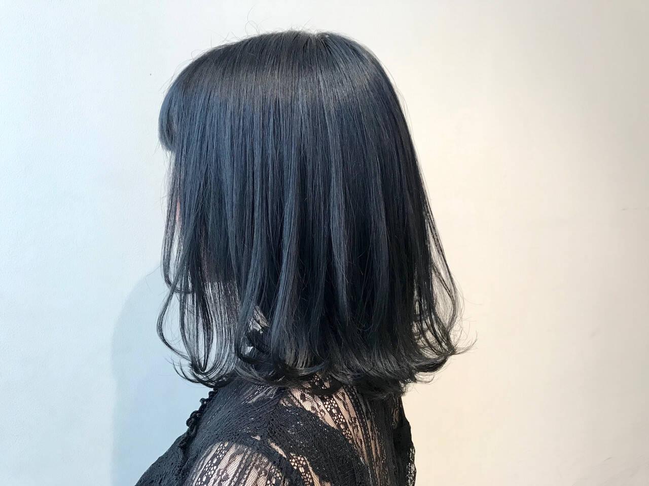 切りっぱなし 外ハネ ミディアム モードヘアスタイルや髪型の写真・画像